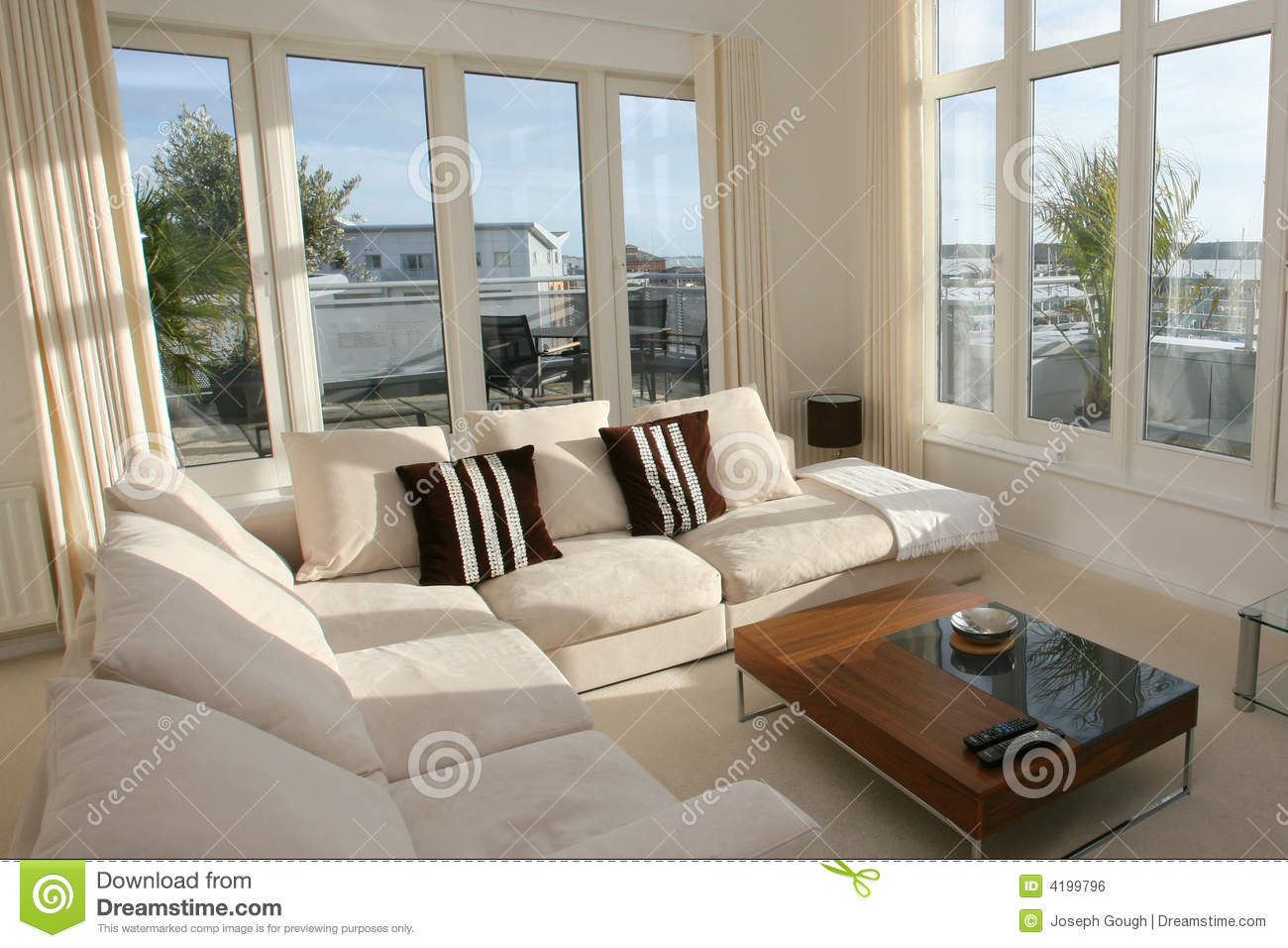 Modern home living room interior stock photo image of for Salle de sejour moderne