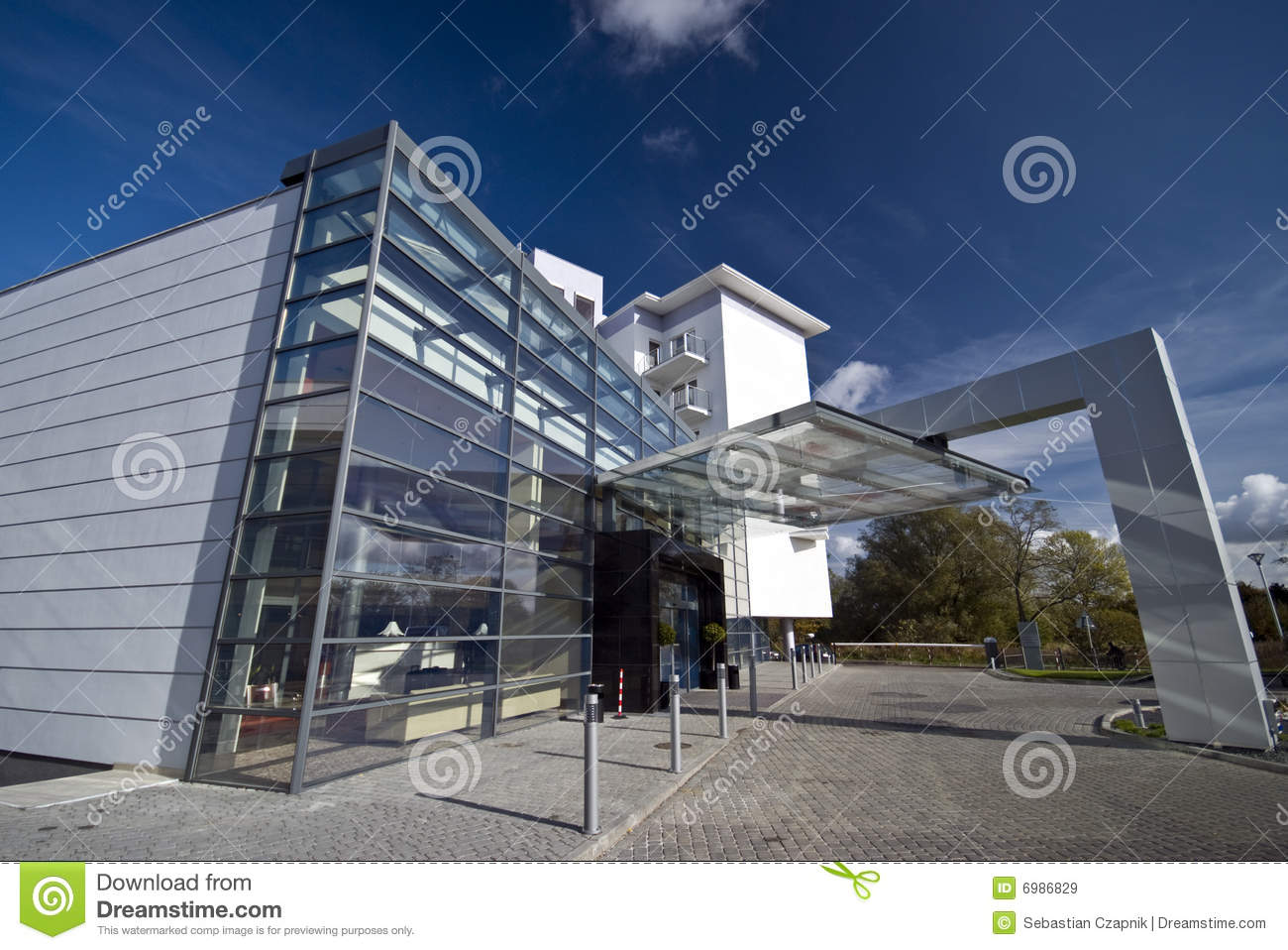 Hotel Exterior: Modern Hotel Exterior Stock Image. Image Of Glass