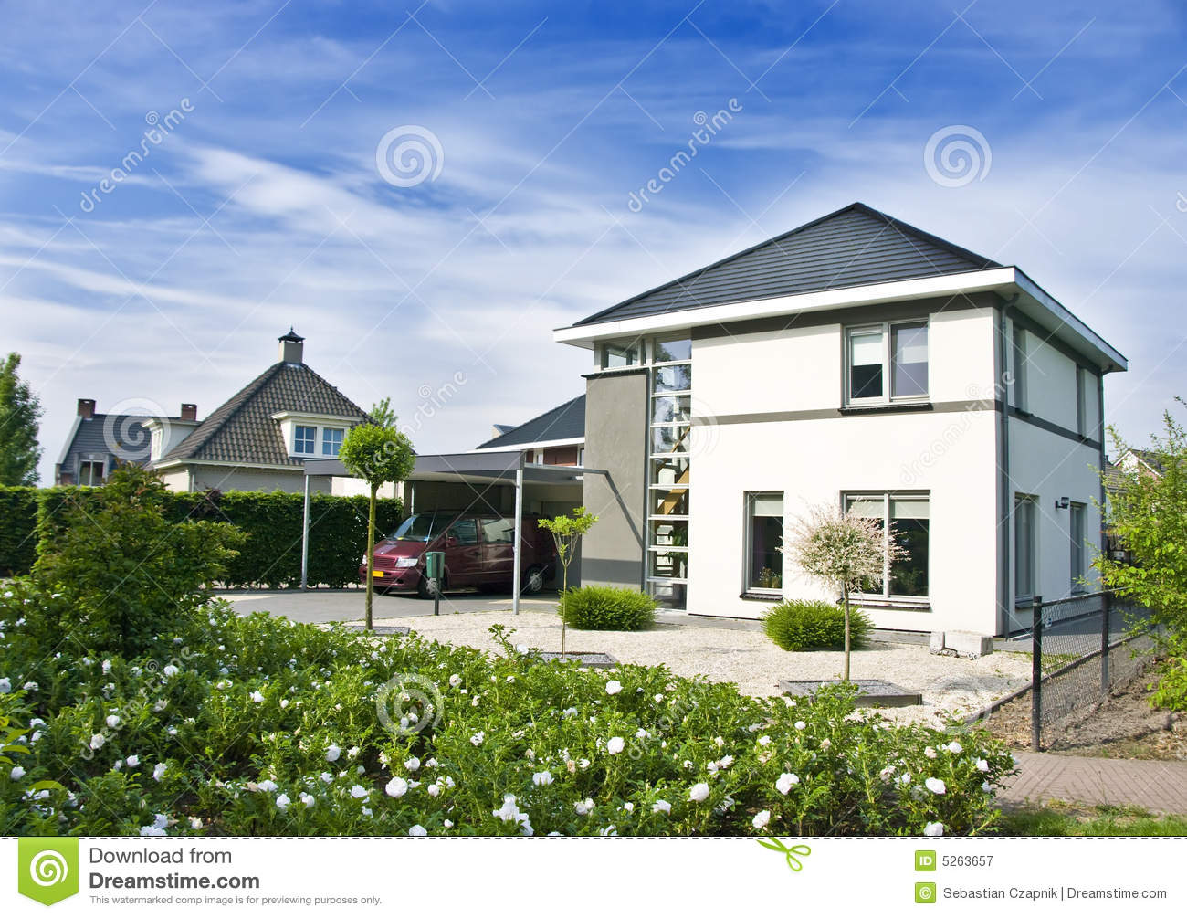 Modern house and garden stock image image of colors for Modern house with garden