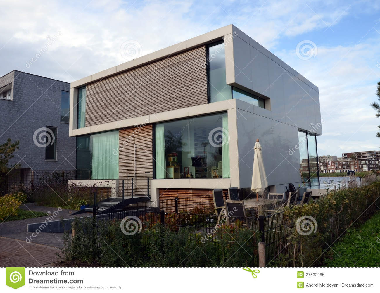 Modern House With Garden In Amsterdam Royalty Free Stock Photo