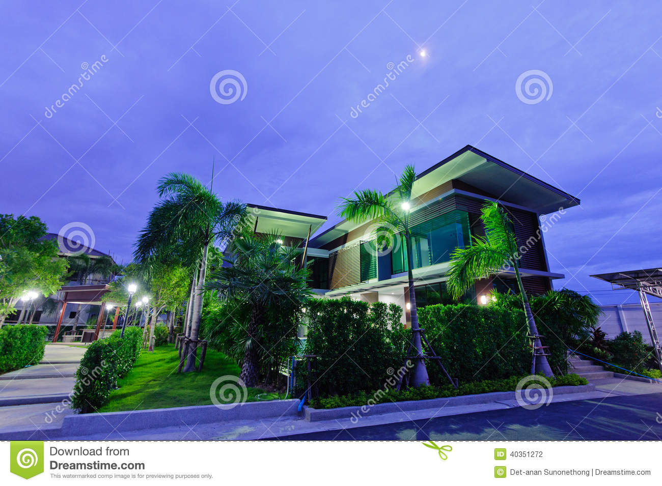 Modern house at night stock photo image of glass for Modern house at night