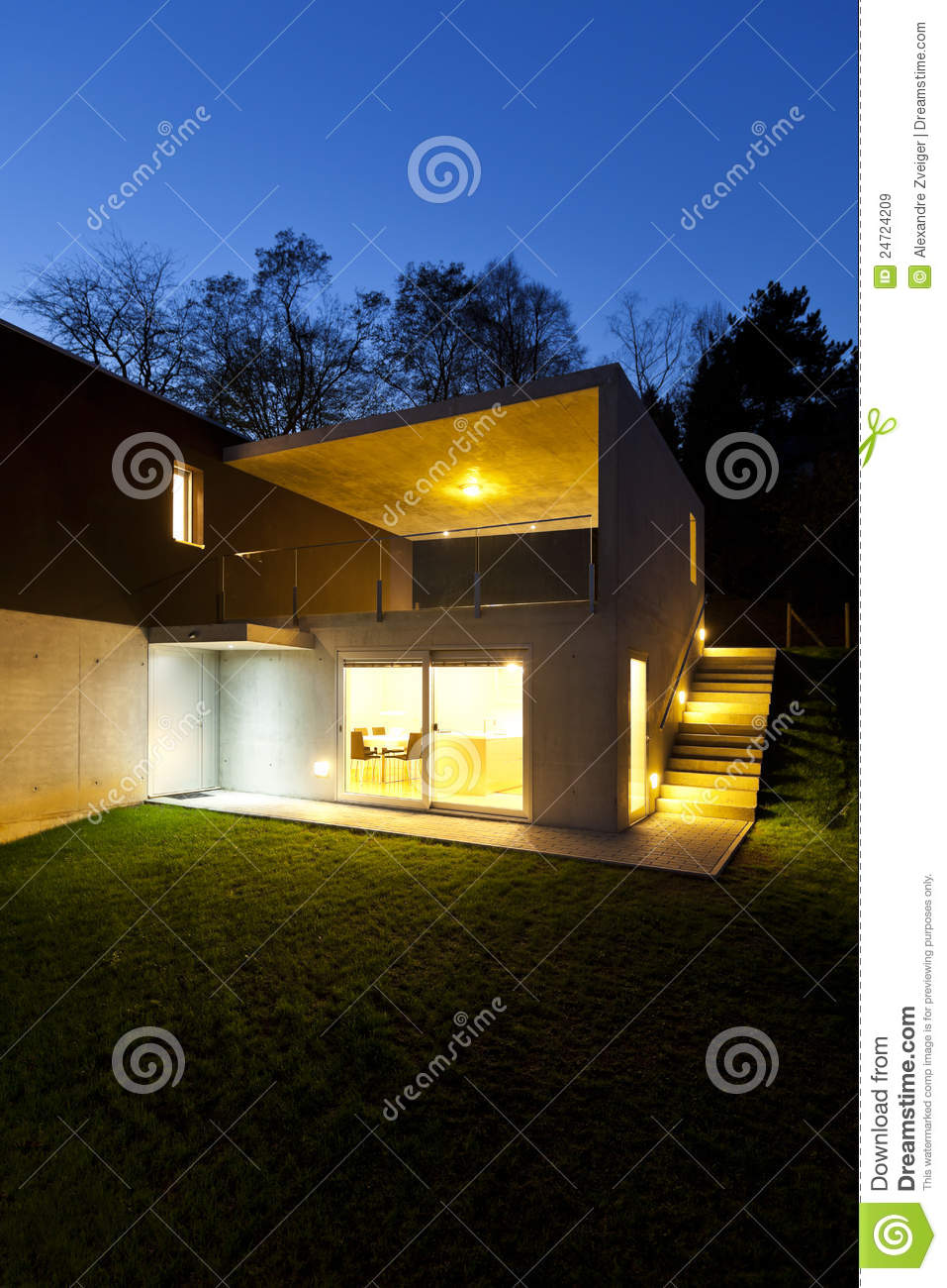 Modern house outdoor by night royalty free stock images for Modern house at night