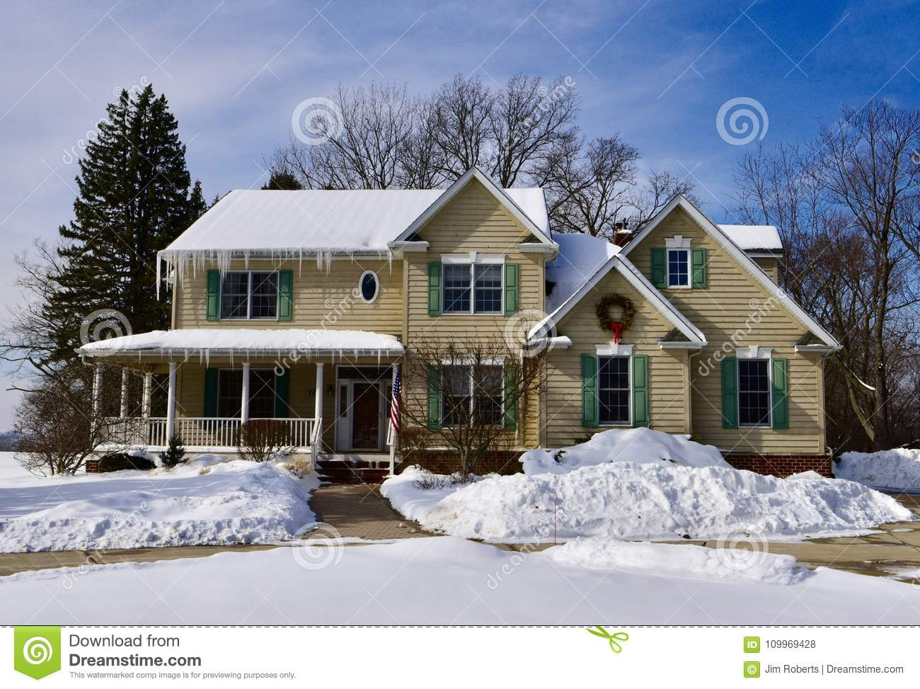 Modern House in the Snow stock photo. Image of framed - 109969428