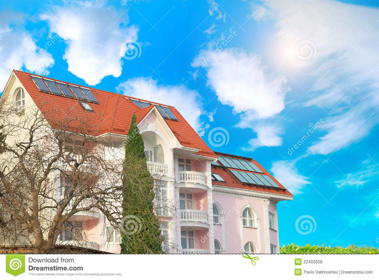 Modern House With Solar Panels Royalty Free Stock Image