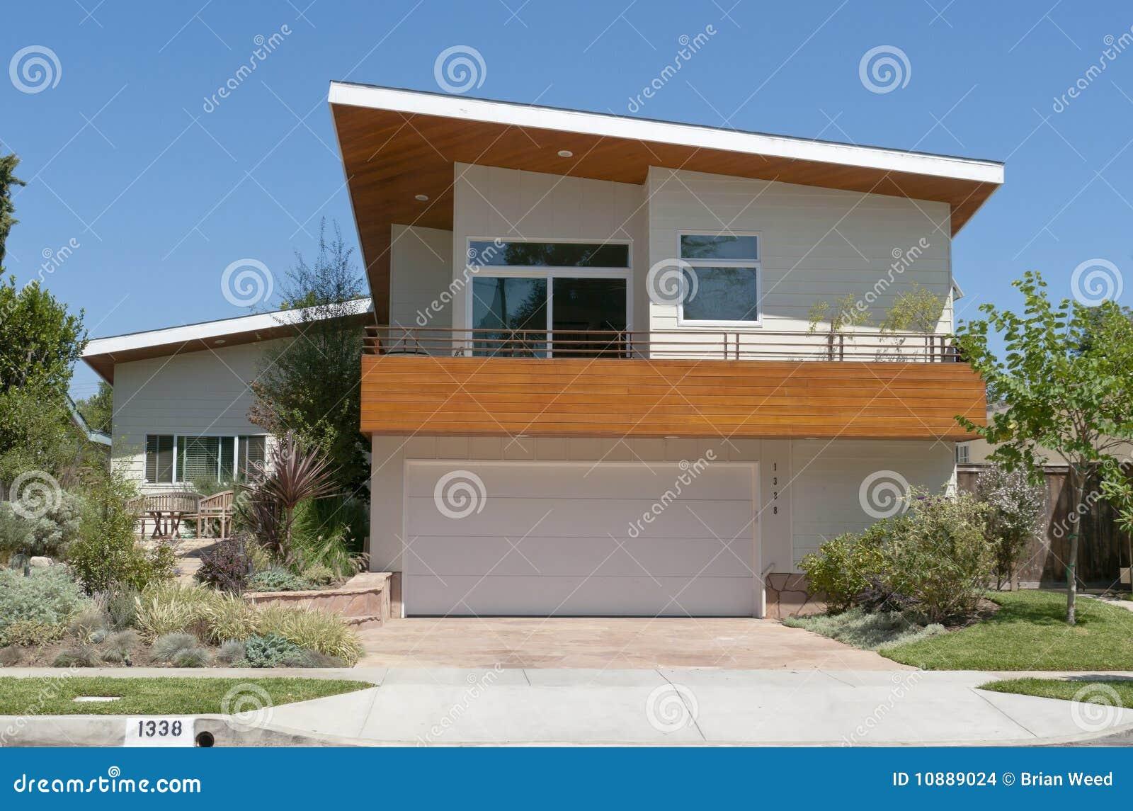 Modern huis stock foto afbeelding bestaande uit garage 10889024 - Foto modern huis ...