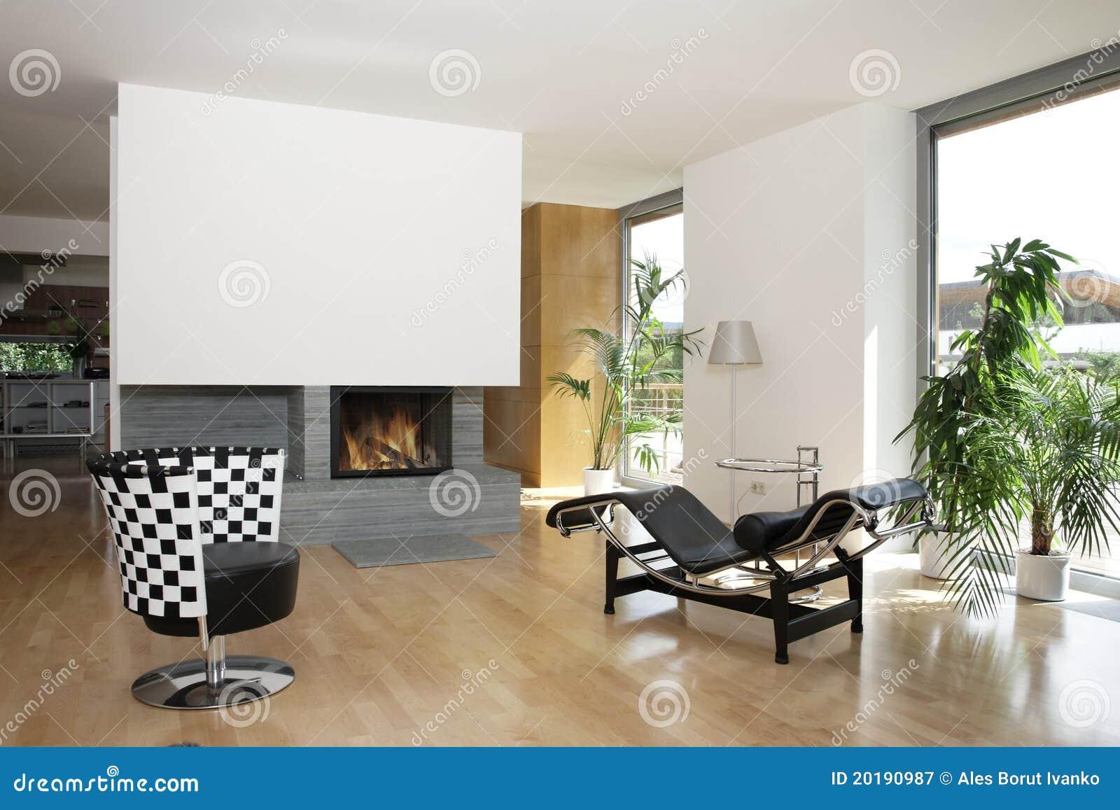 Modern huis met open haard stock afbeelding afbeelding bestaande uit vlam 20190987 for Huis open haard mantel