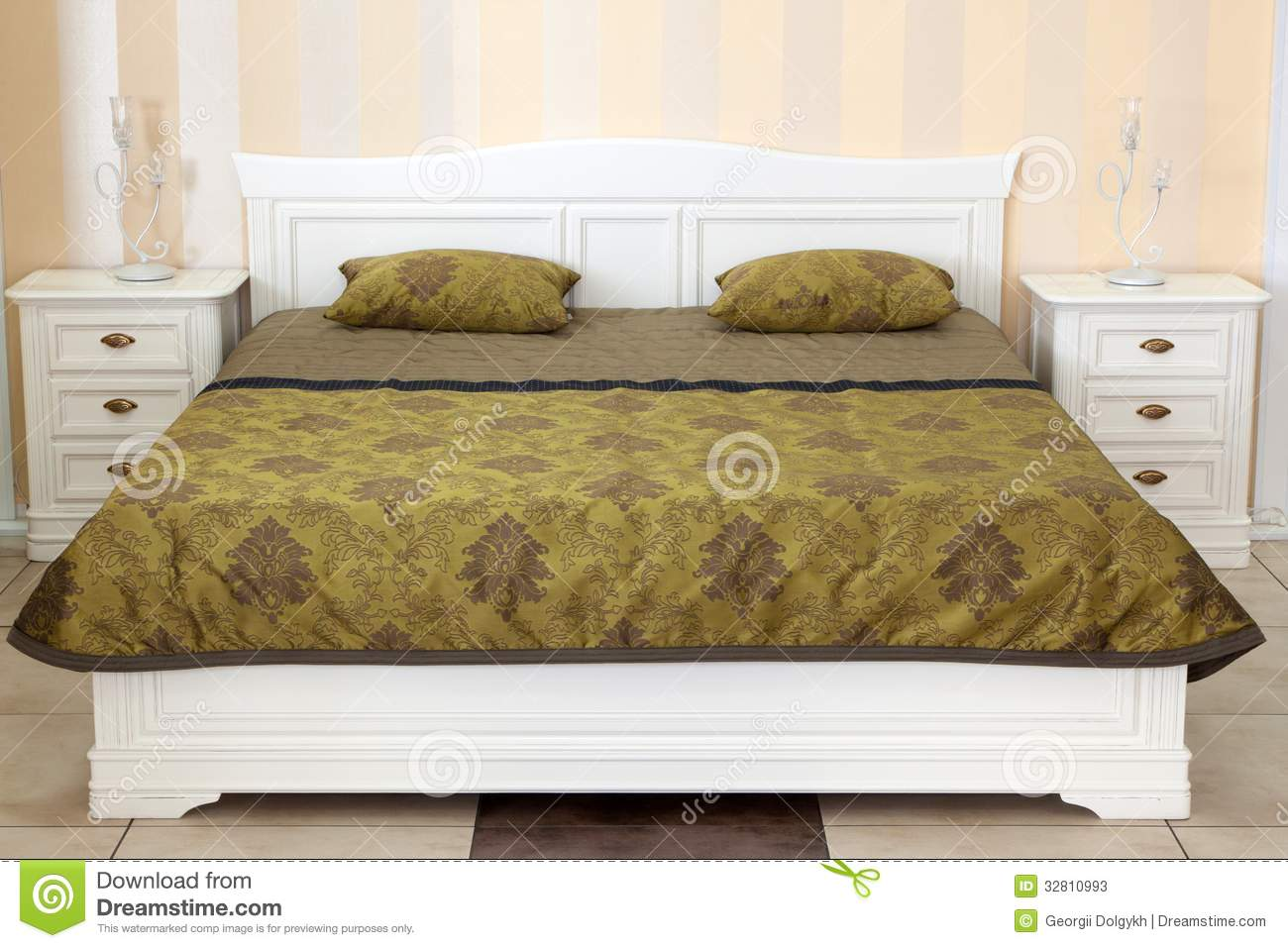 Modern Italian Style Bedroom Stock Photos - Image: 32810993