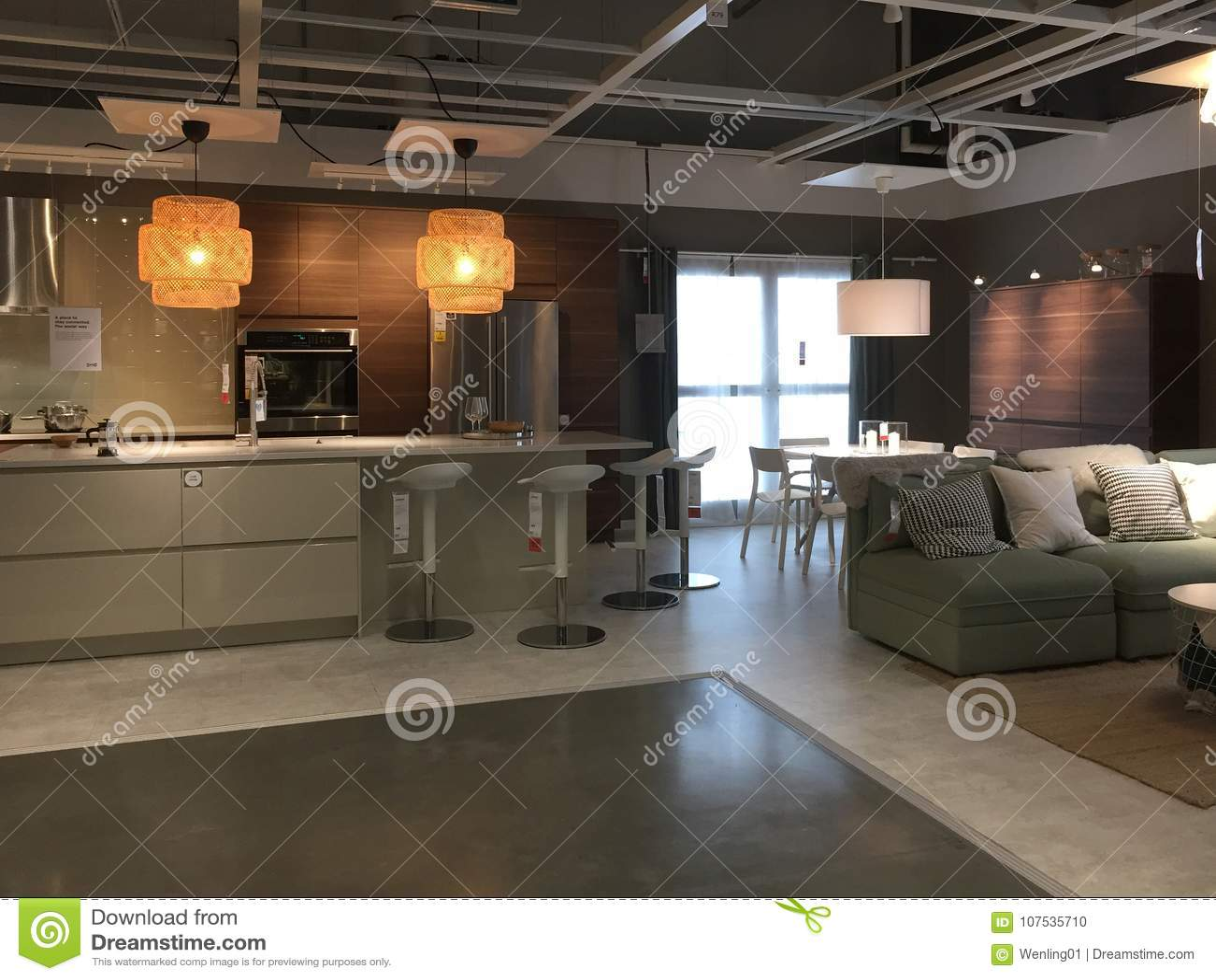 Keuken Ikea Moderne : Modern keuken en familieruimteontwerp bij het leveren van opslag