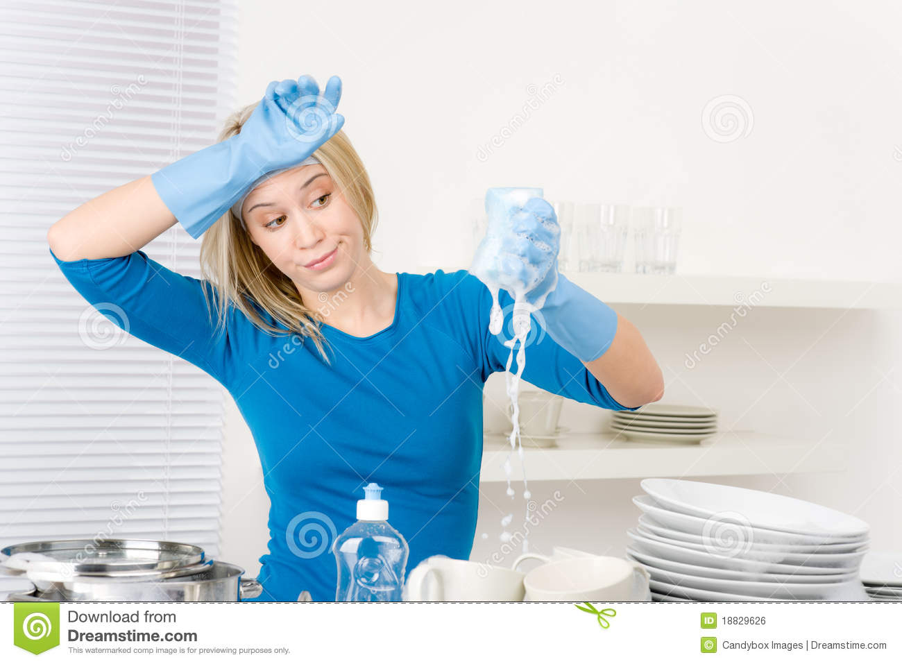 how to use less water when washing dishes