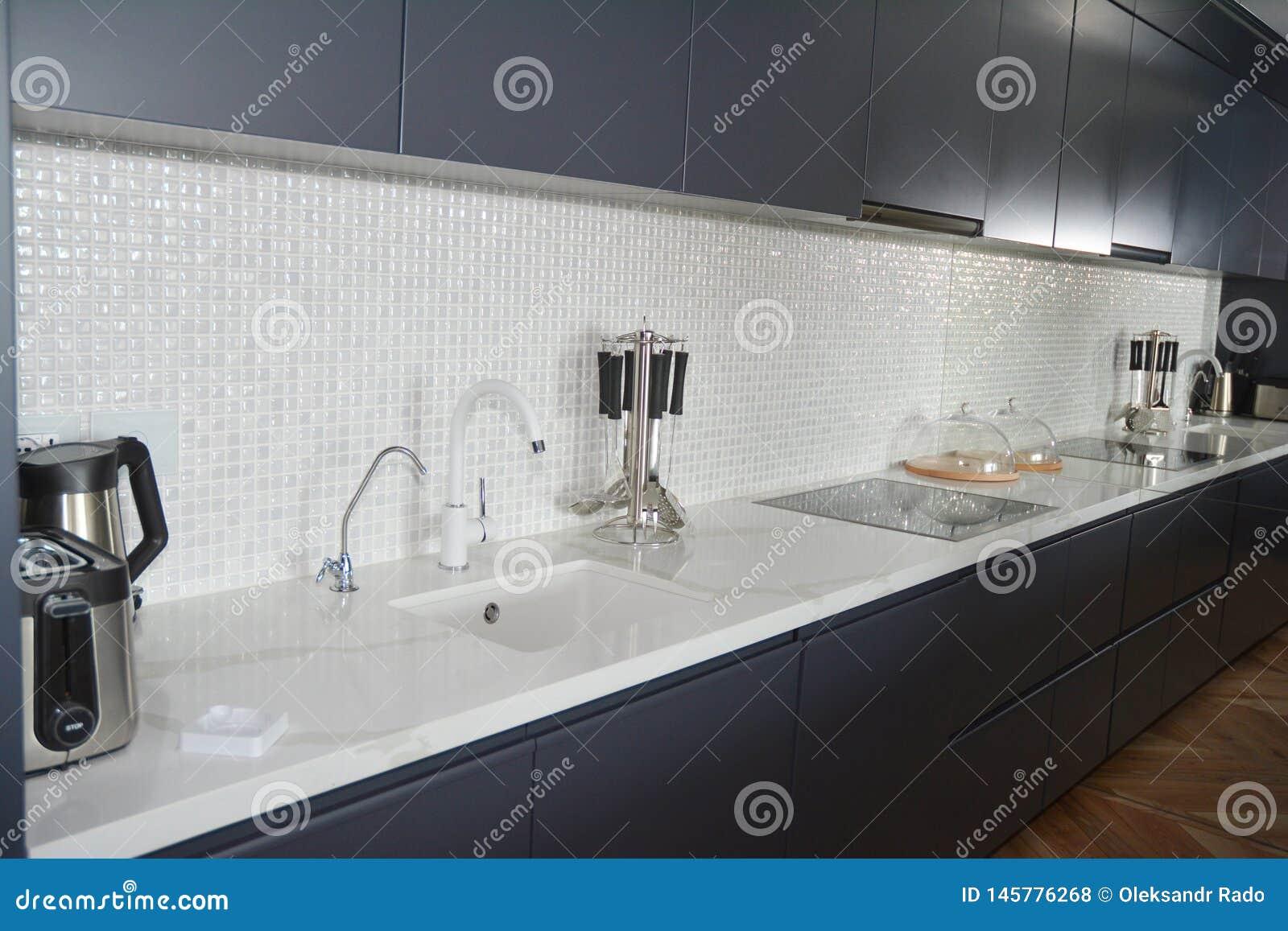 Modern Kitchen With Mosaic Tiles Faucet Kitchen Hood Mirror