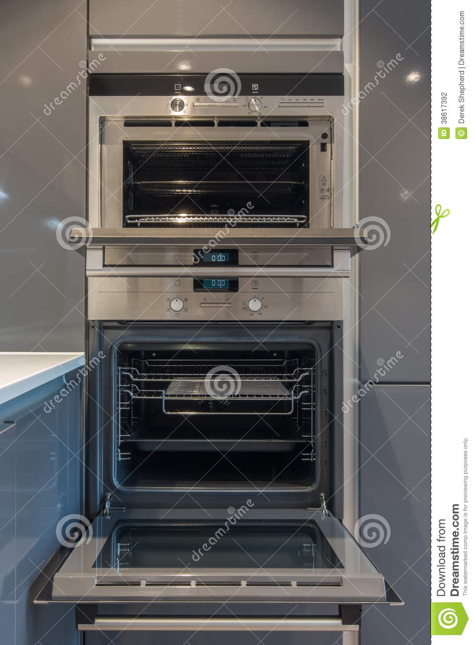 Open Kitchen Oven ~ Modern kitchen oven stock photography image