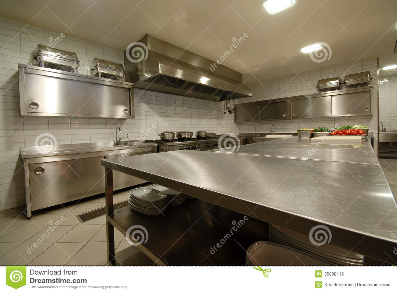 Modern kitchen in restaurant royalty free stock photo for Cuisine moderne