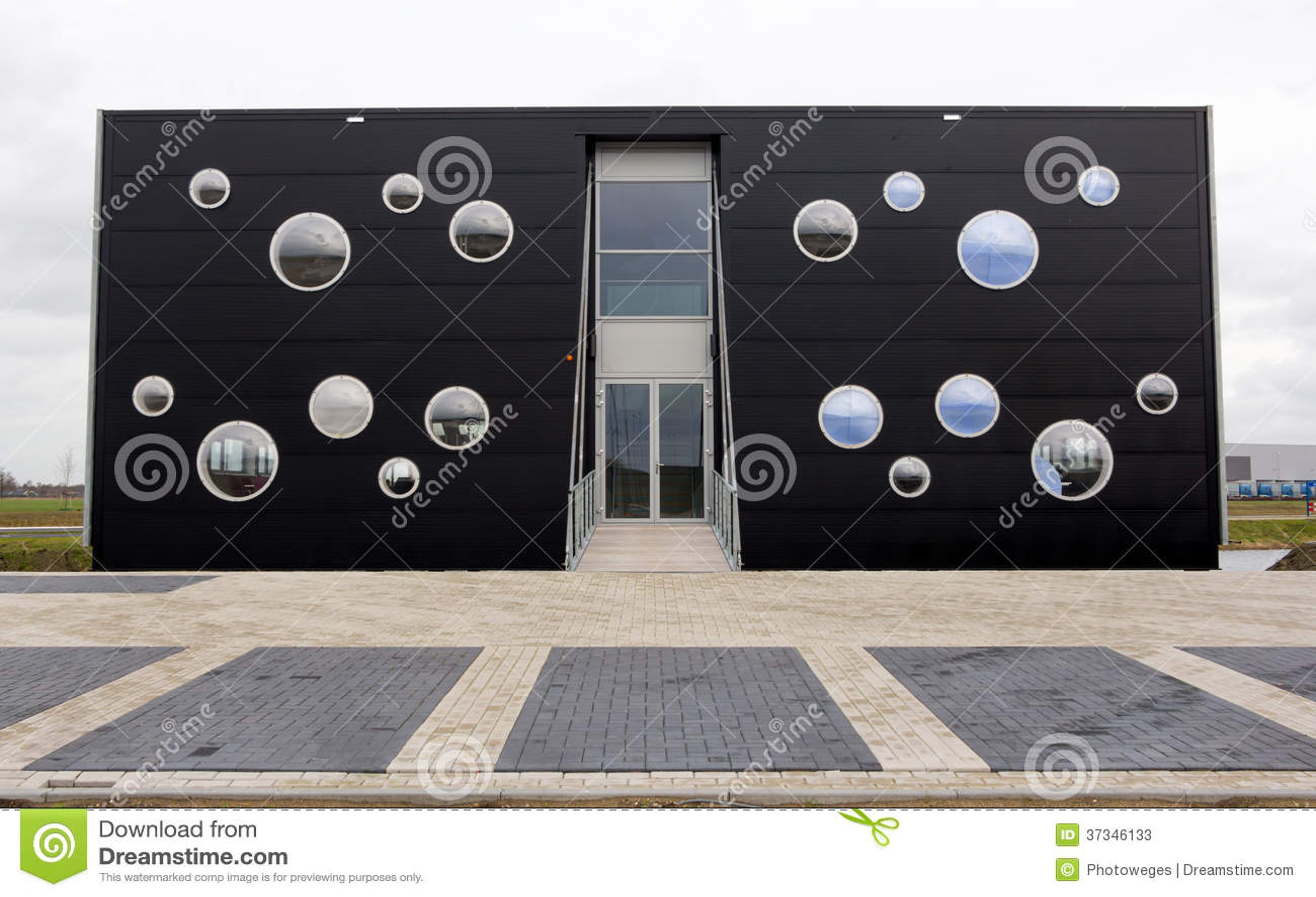 Modern kontorsbyggnad