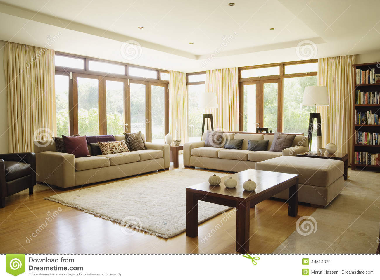 Modern living room with sofa stock photo image 44514870 for Salle de sejour moderne