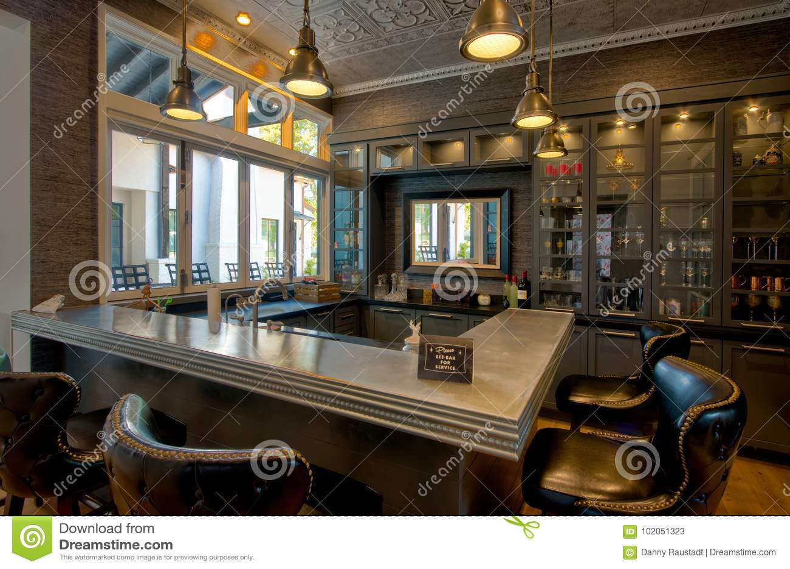 Modern Mansion Cocktail Bar