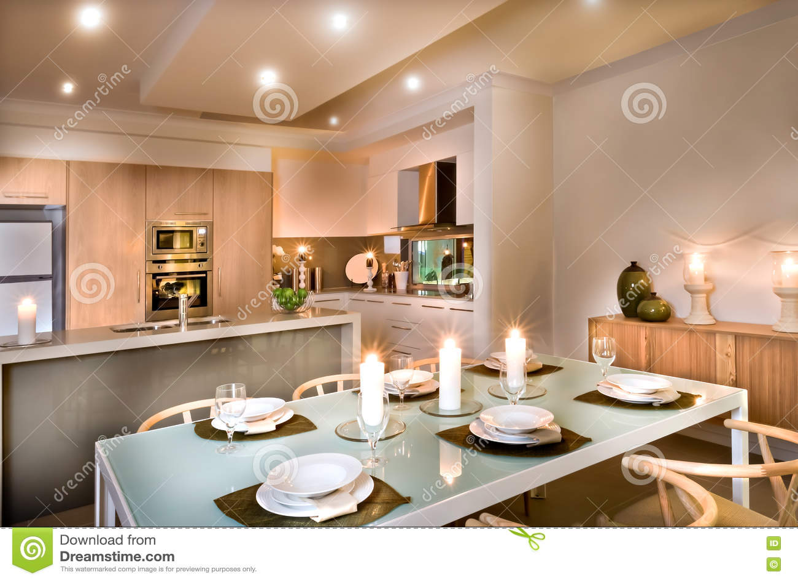 Modern matsal och köket