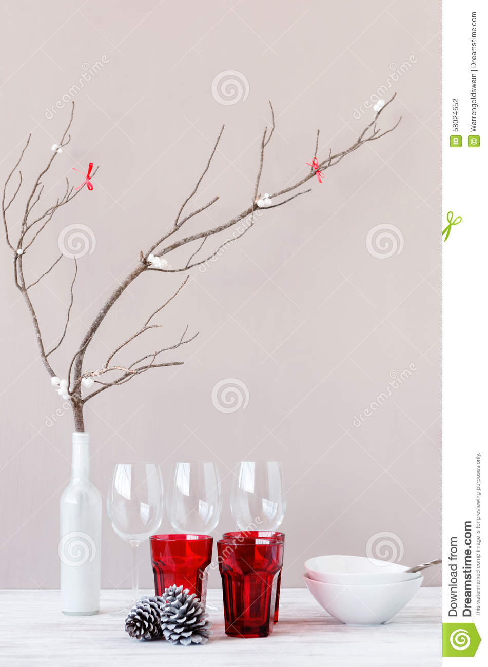 Elegant table setting display for christmas holiday theme for Minimalist xmas decorations
