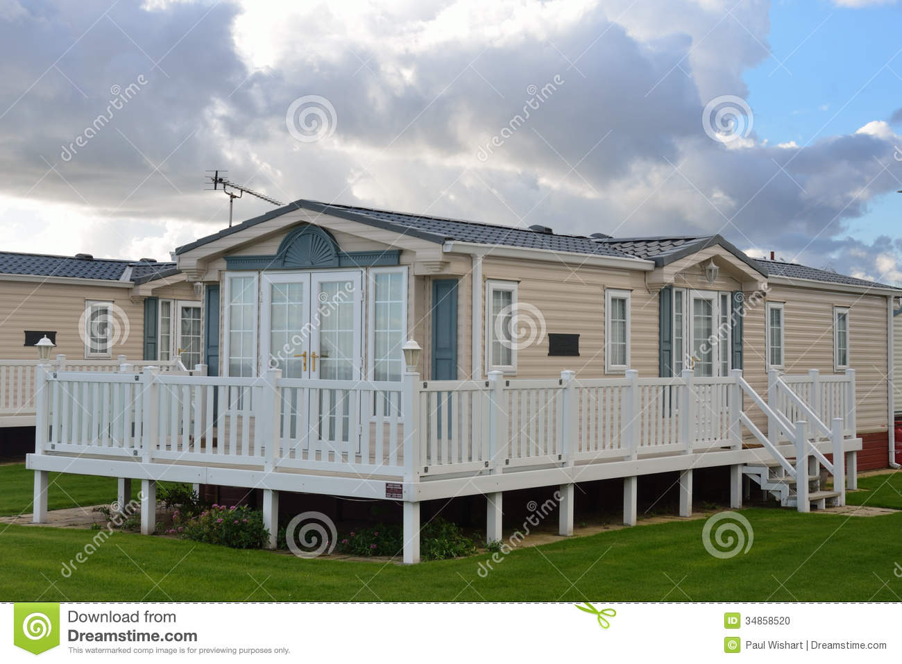 Modern mobile home stock photo image 34858520 for Large modular homes