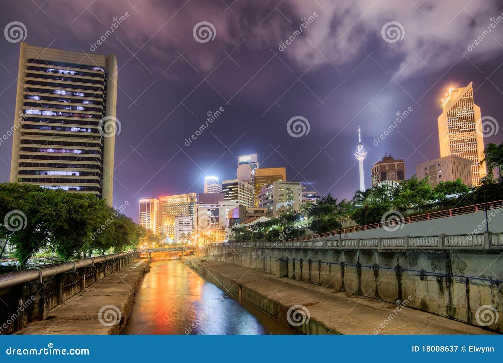 Modern natt för stad