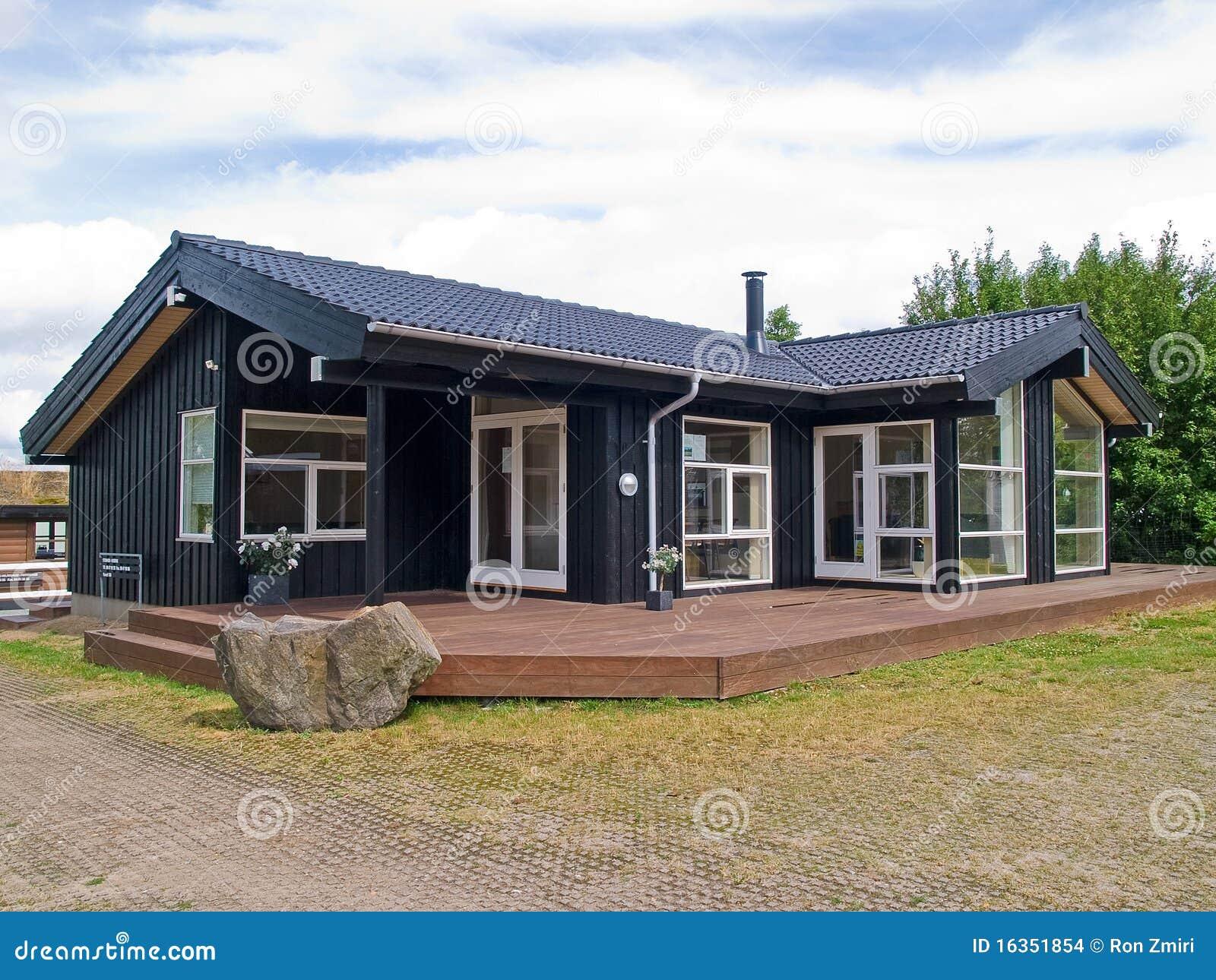 Modern ontwerp aantrekkelijk houten huis stock afbeeldingen afbeelding 16351854 - Huis architect hout ...