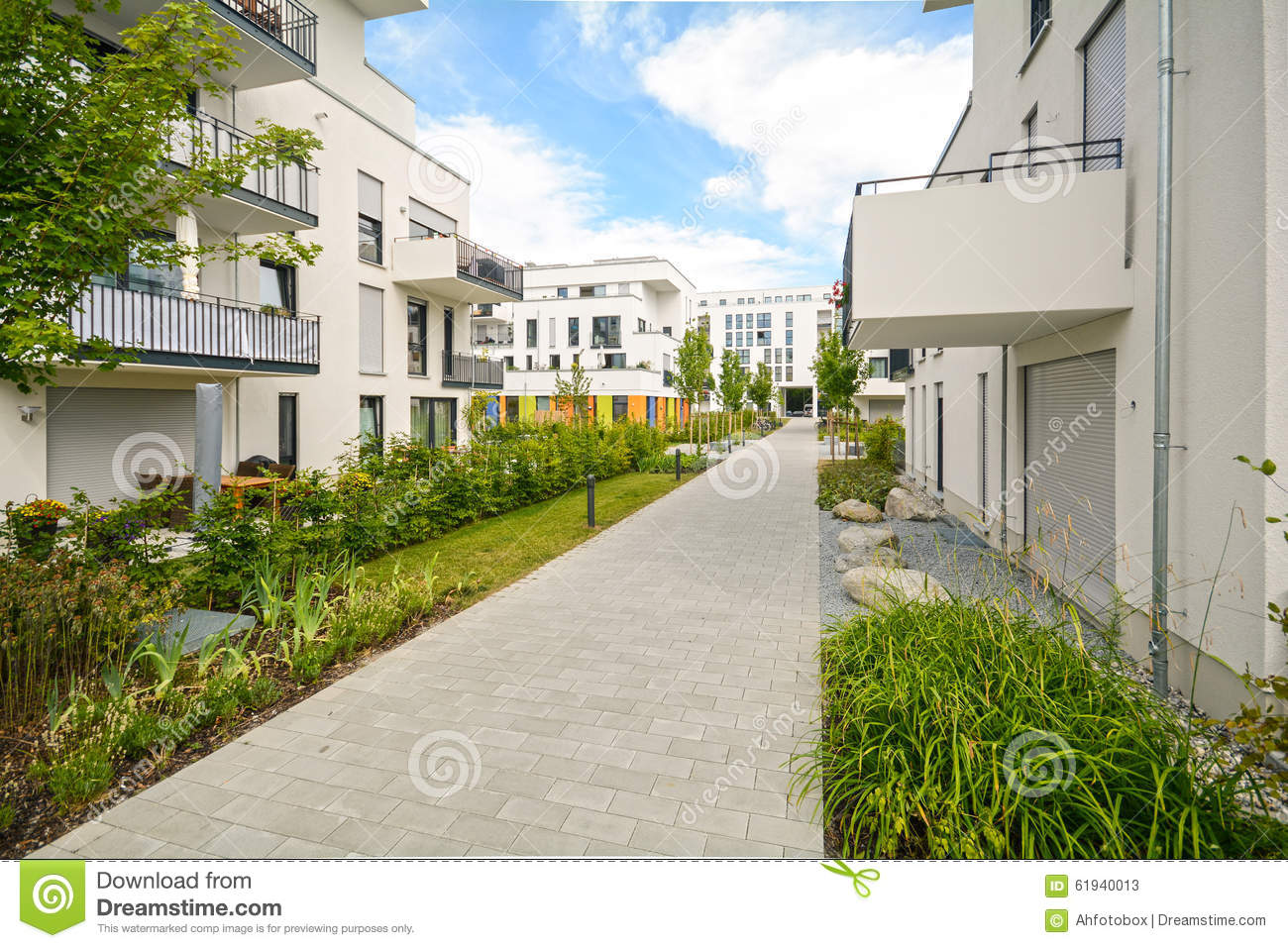 Modern residential buildings with outdoor facilities for Contemporary residential buildings