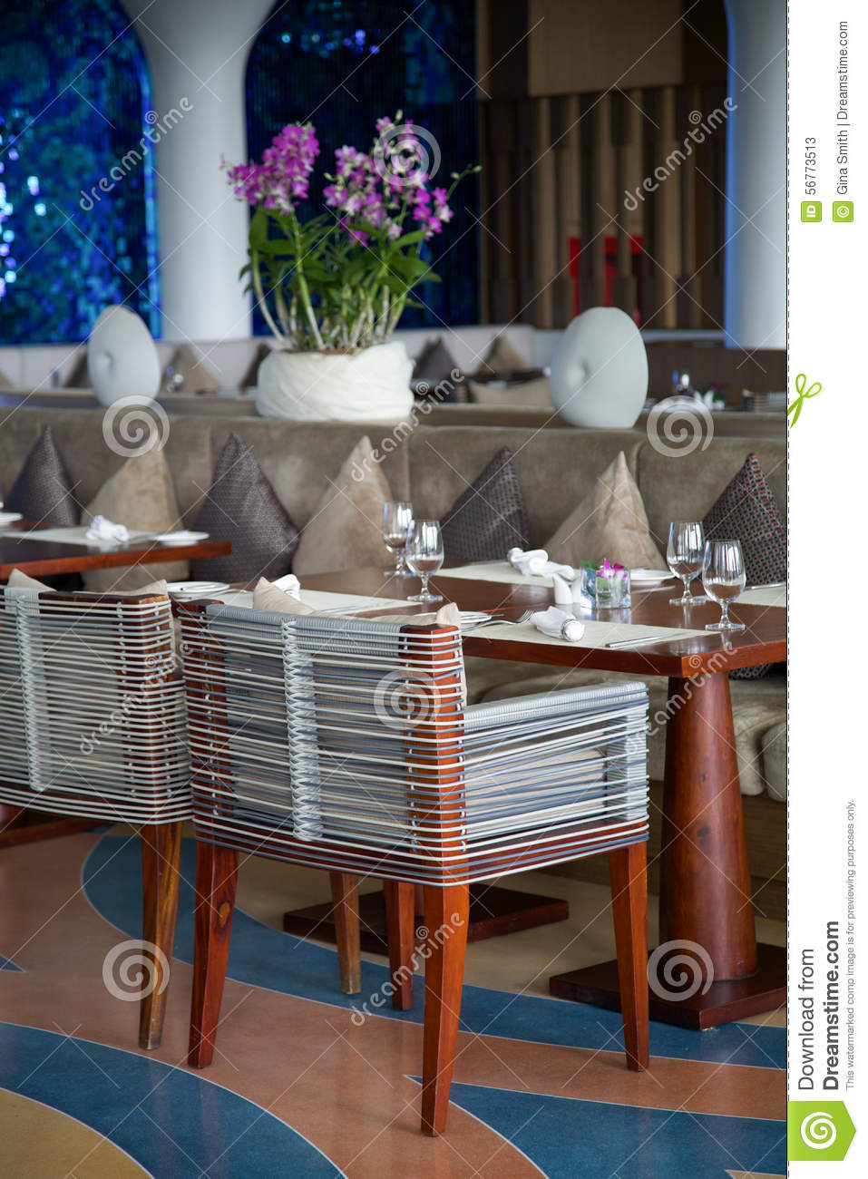 Modern restaurant table setting - Modern Restaurant