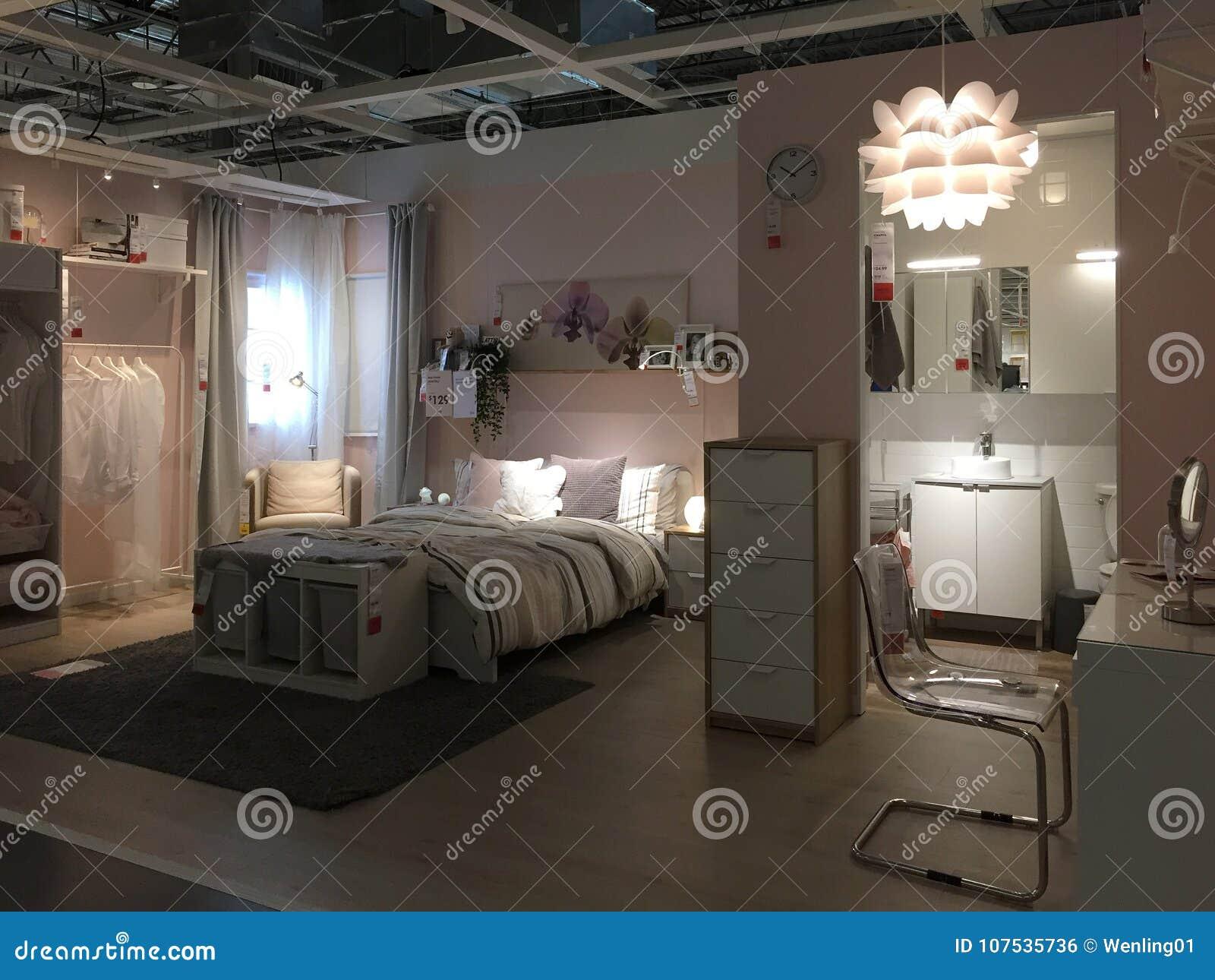 Modern slaapkamer en badkamersontwerp bij opslag IKEA