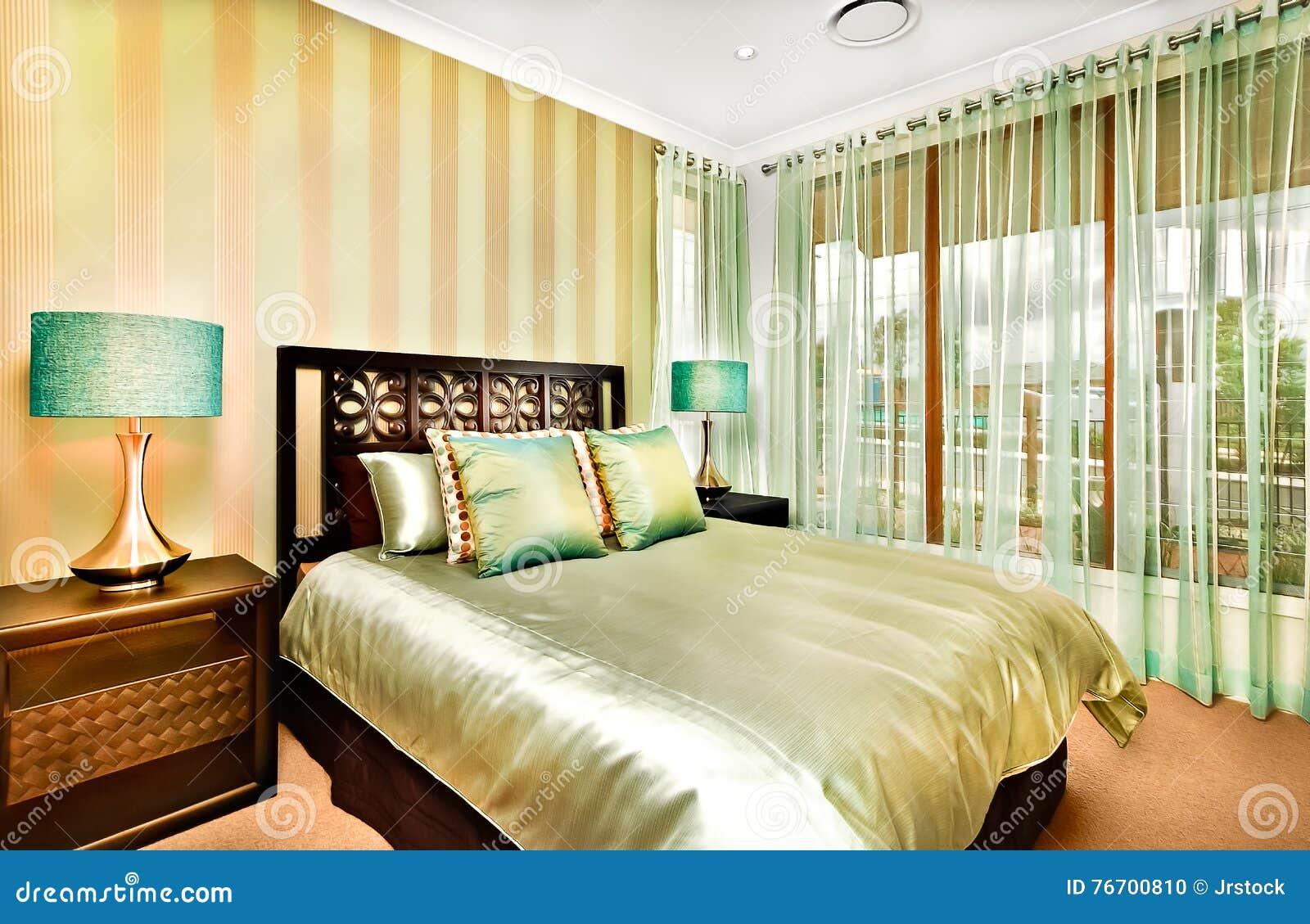 Modern sovruminregarnering ett lyxigt hus