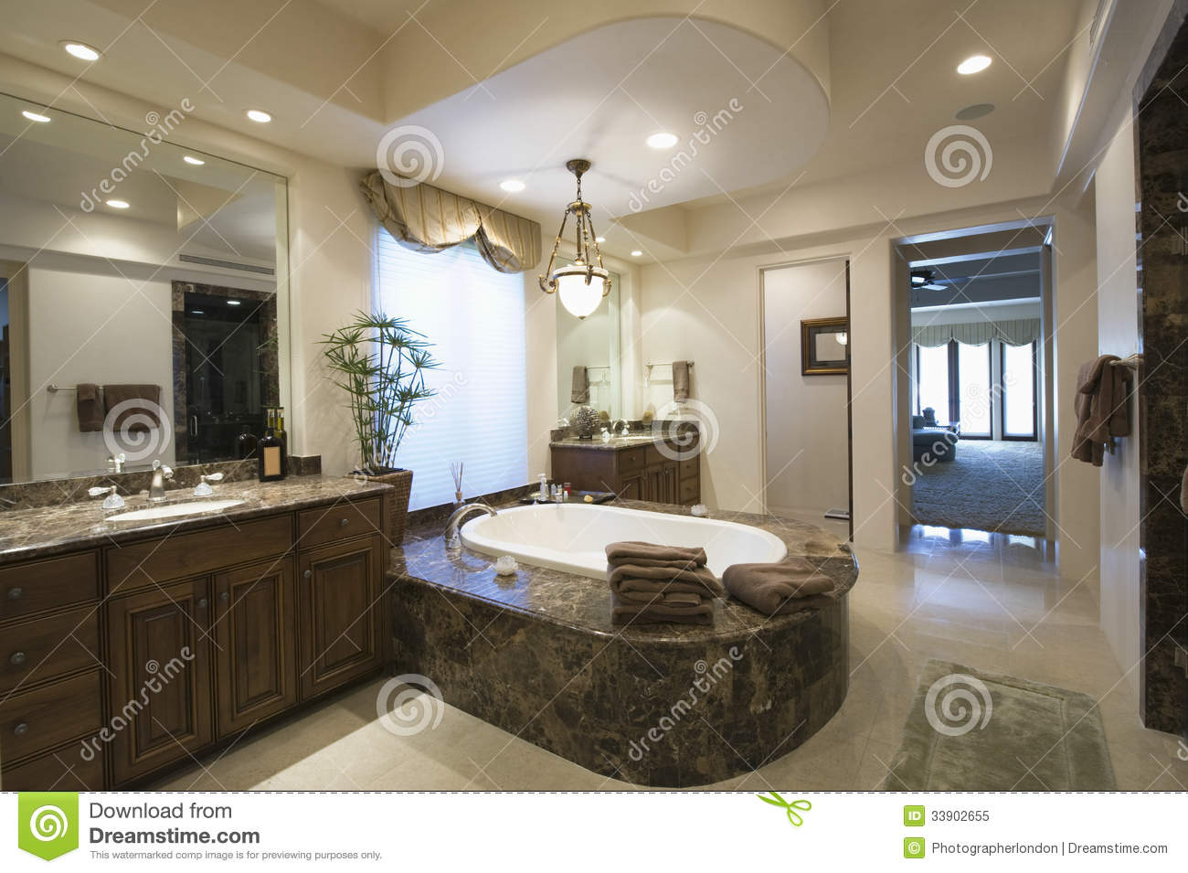 Genial Modern And Spacious Bathroom
