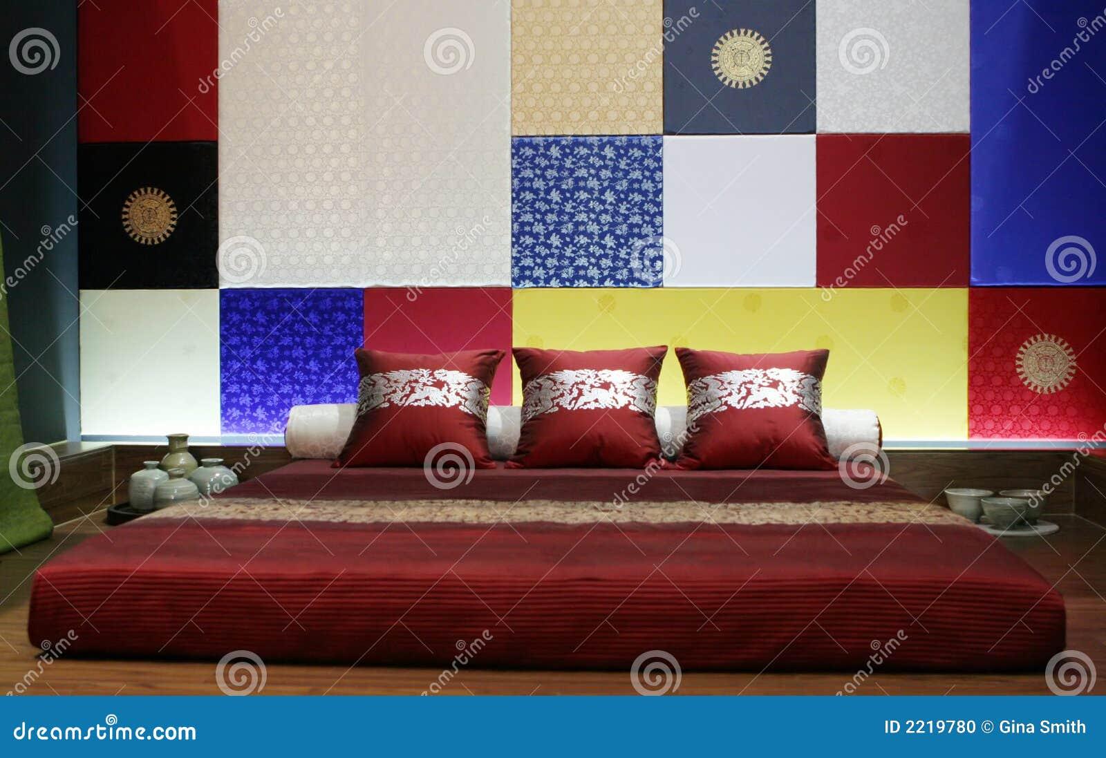 Modern stil för asiatiskt sovrum arkivfoto   bild: 2219780