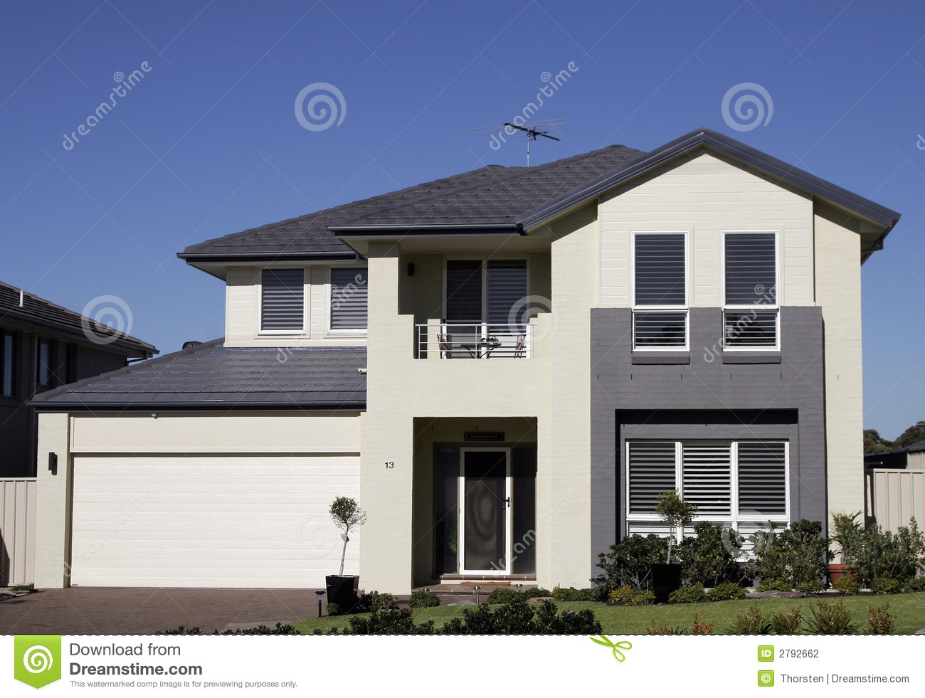 Modern suburban house stock photo image of estate for Casas pintadas exterior
