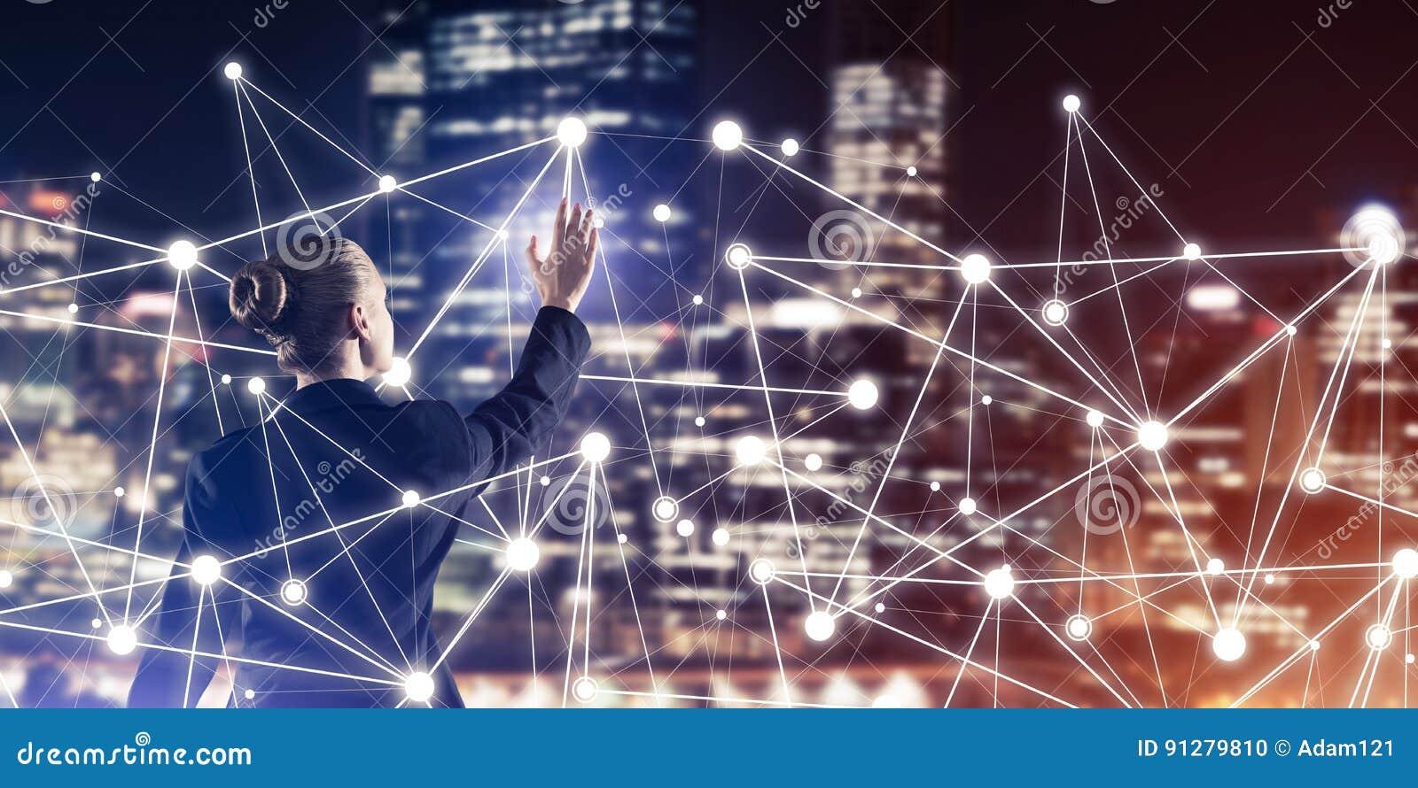 Modern trådlösa teknologier och nätverkande som hjälpmedlet för effectiv