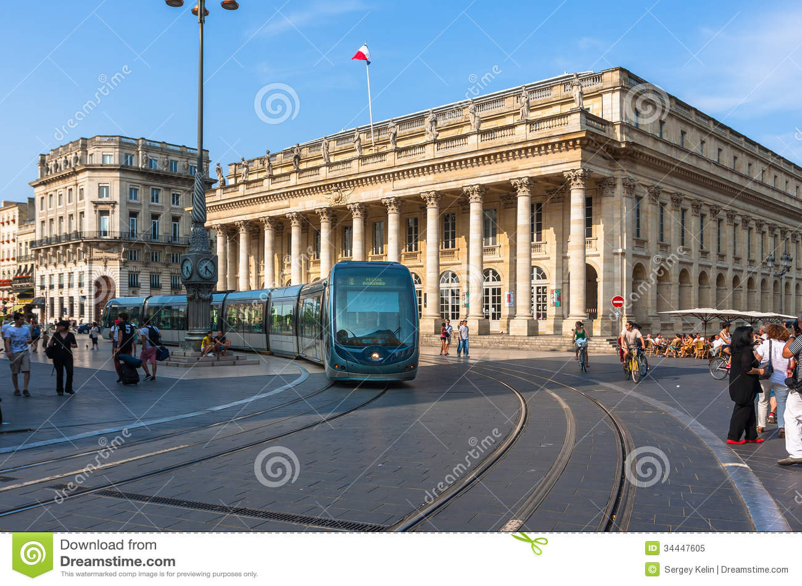 modern tram on the place de la com die in bordeaux editorial image image 34447605. Black Bedroom Furniture Sets. Home Design Ideas