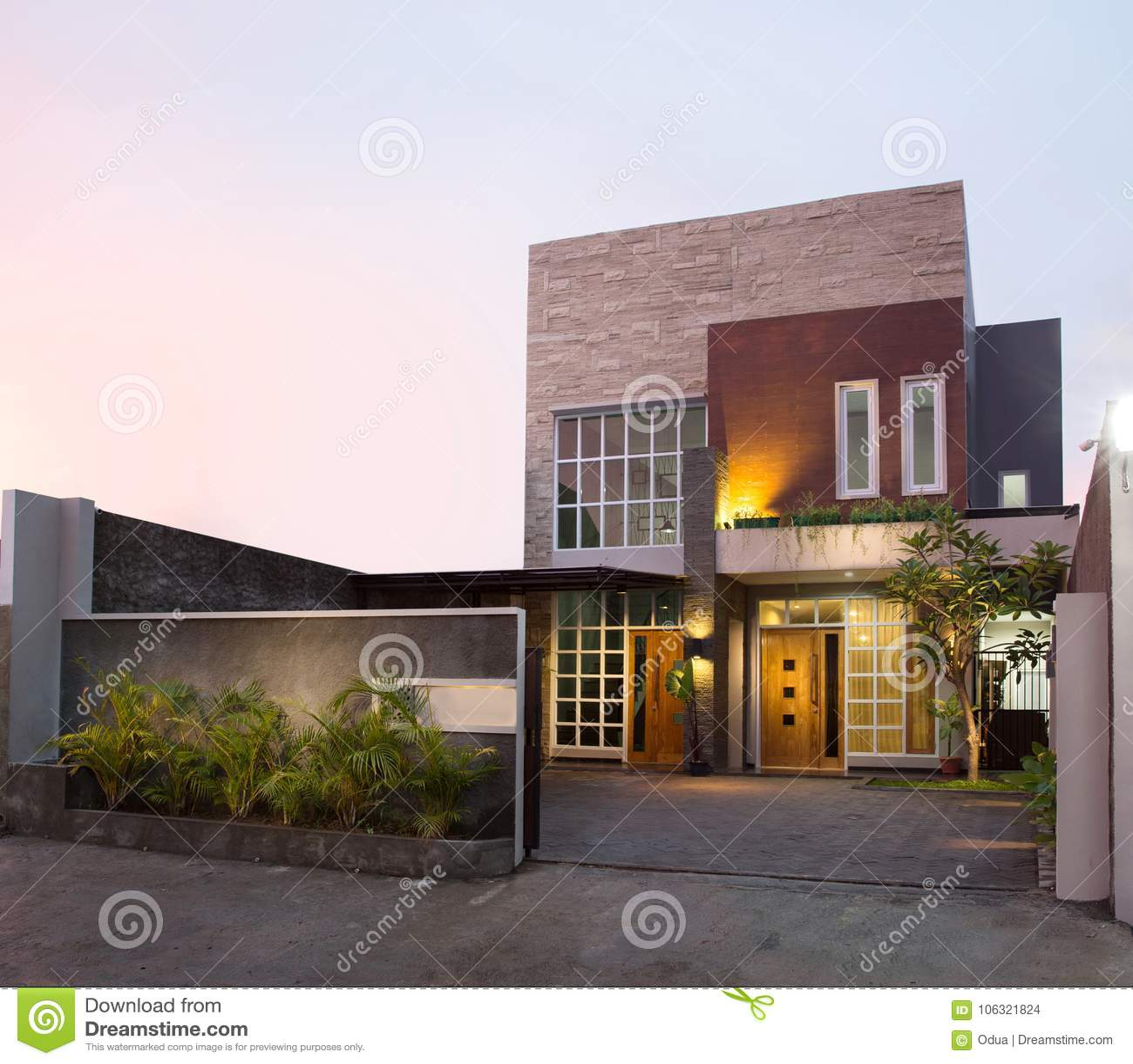 Contemporary Tropical House Tanga House: Modern Tropical House Stock Photo. Image Of Door, Estate