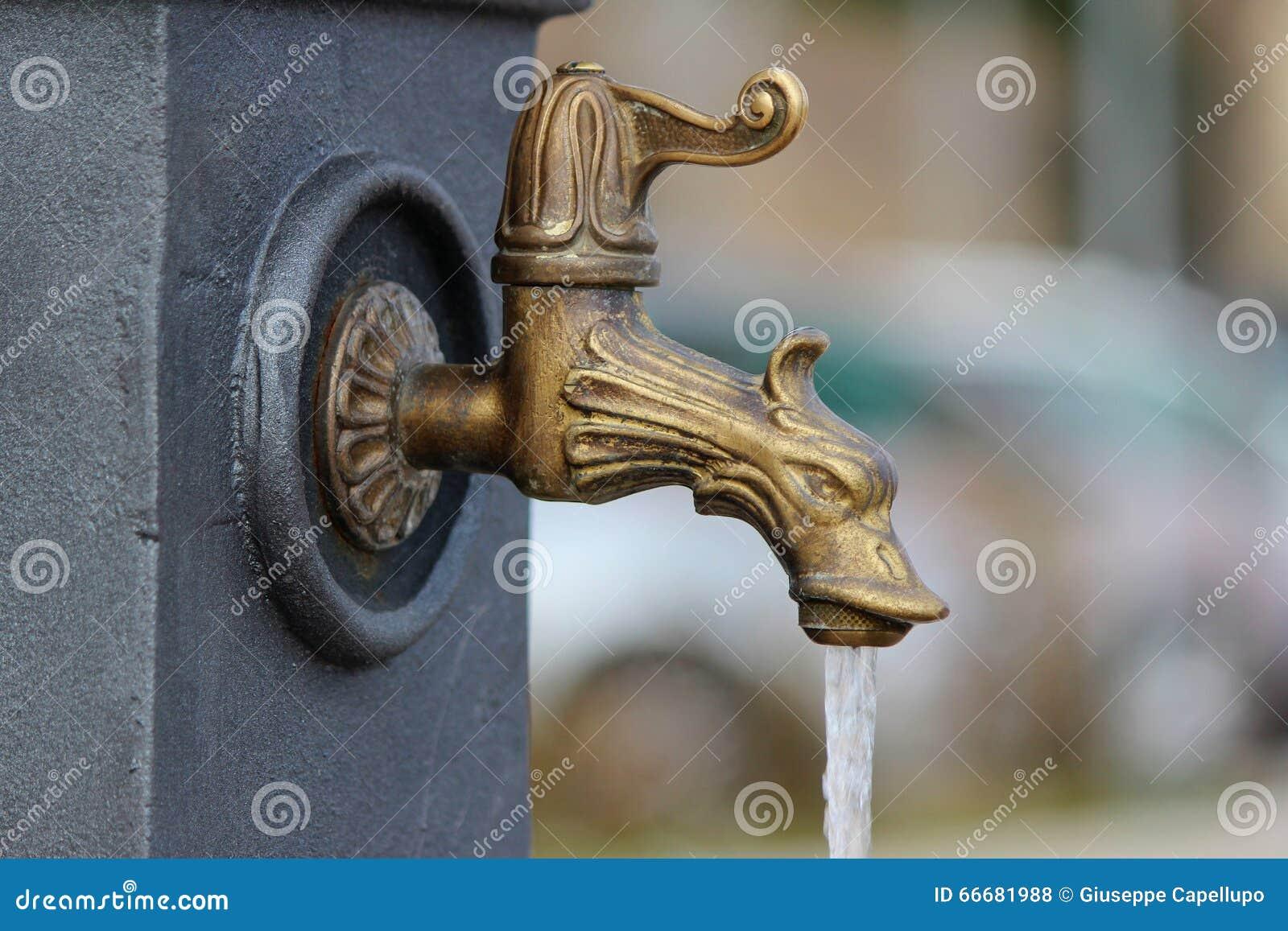 Modern vattenkran
