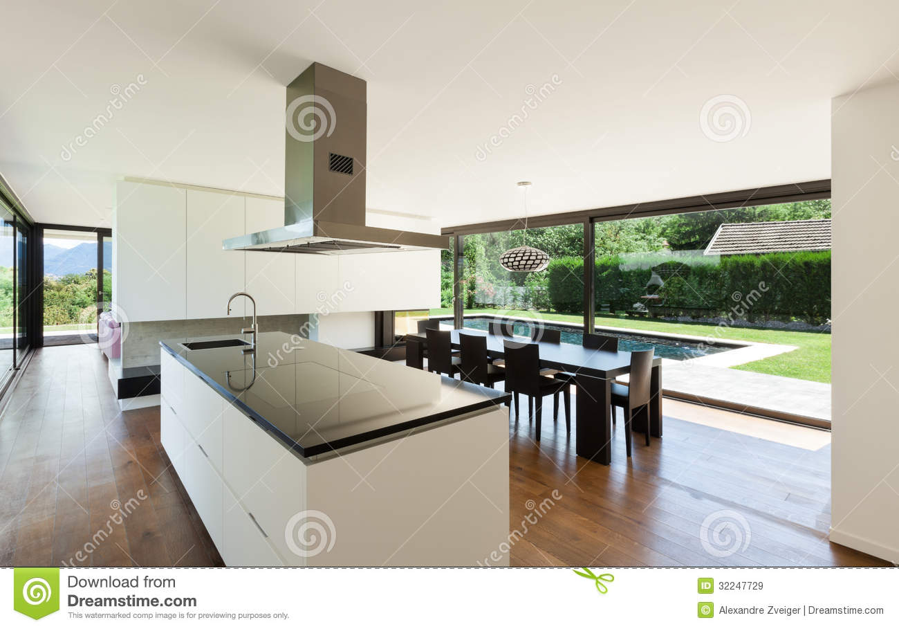 Modern villa interior stock image image of kitchen for Porte maison interieur moderne