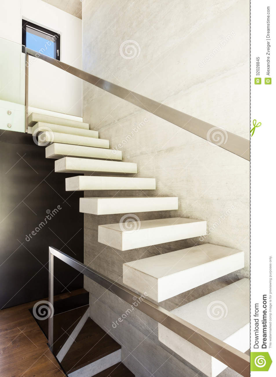 Modern villa interior stairs stock image image 32028845 for Escalier interieur moderne