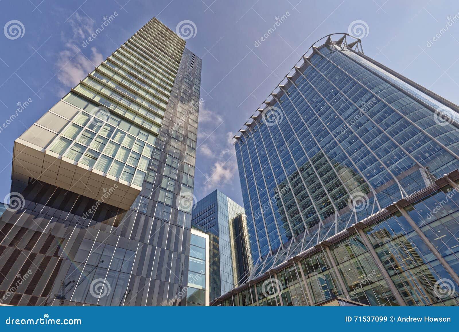 Moderna kontor och lägenheter