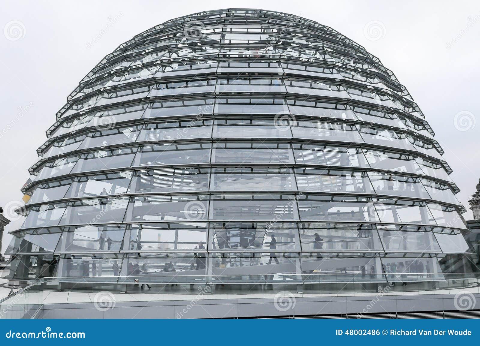 Moderne architektur reichtag haube berlin deutschland redaktionelles foto bild von inside for Berlin moderne architektur