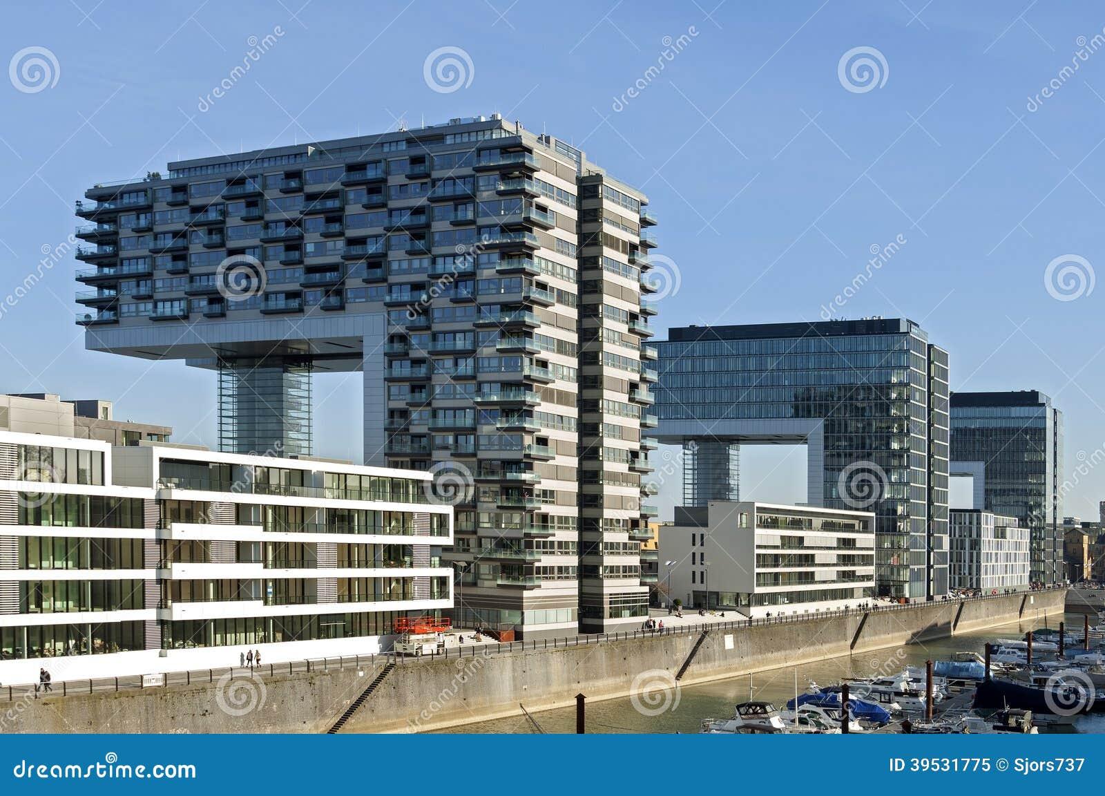 moderne architektur rhein skyline k ln redaktionelles bild bild 39531775. Black Bedroom Furniture Sets. Home Design Ideas