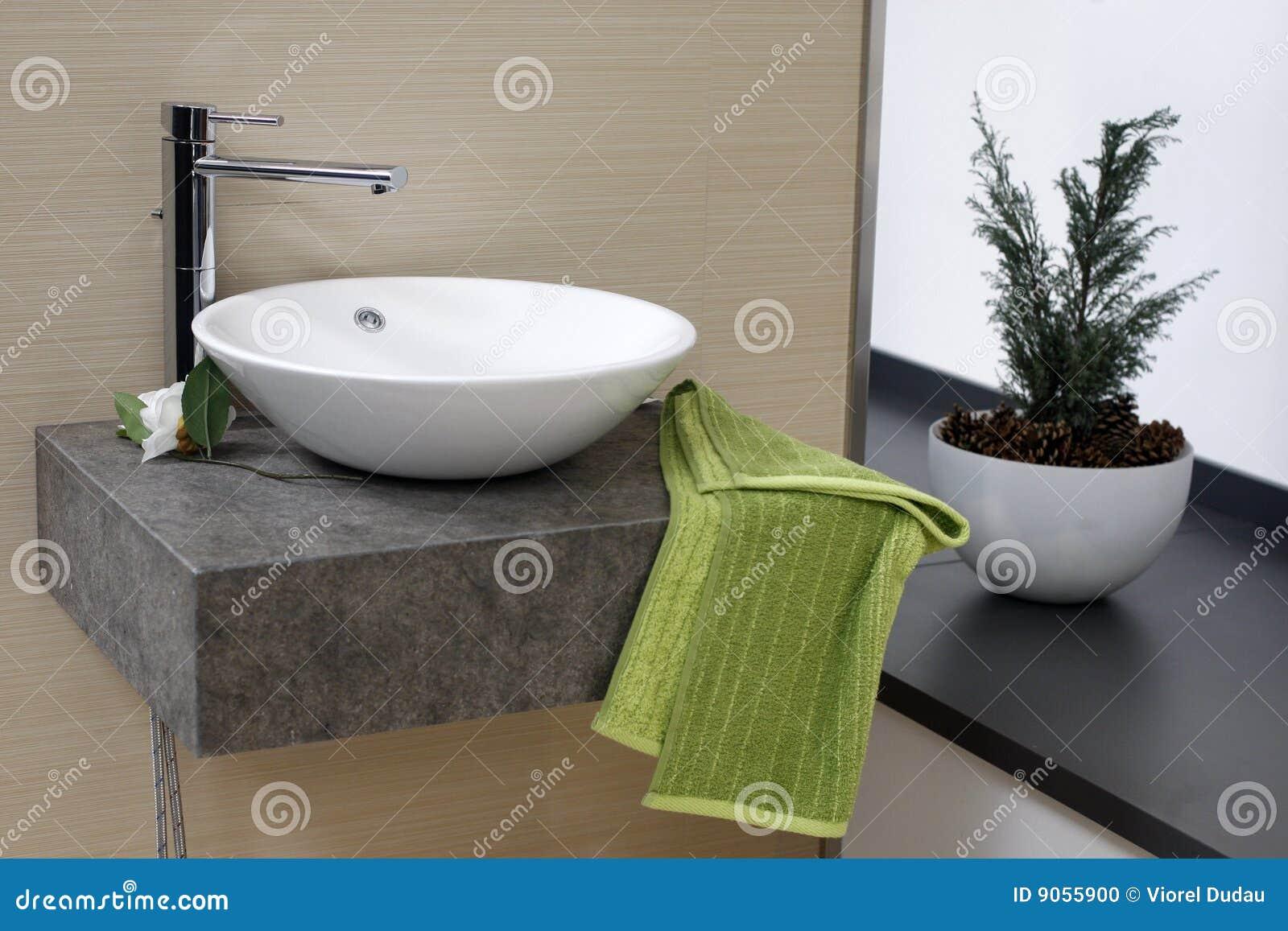Moderne Badezimmerwanne Stockfoto - Bild: 9055900 Badezimmer Wanne
