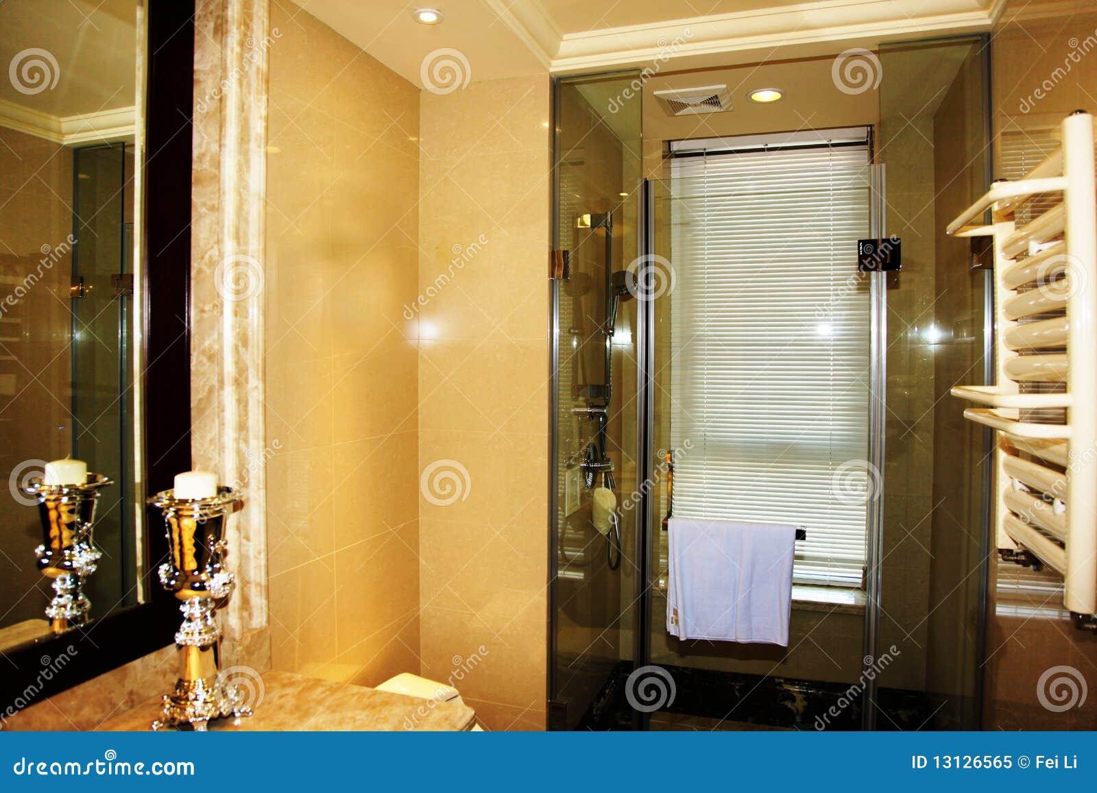 Moderne badkamers royalty vrije stock foto afbeelding 13126565 for Moderne badkamers