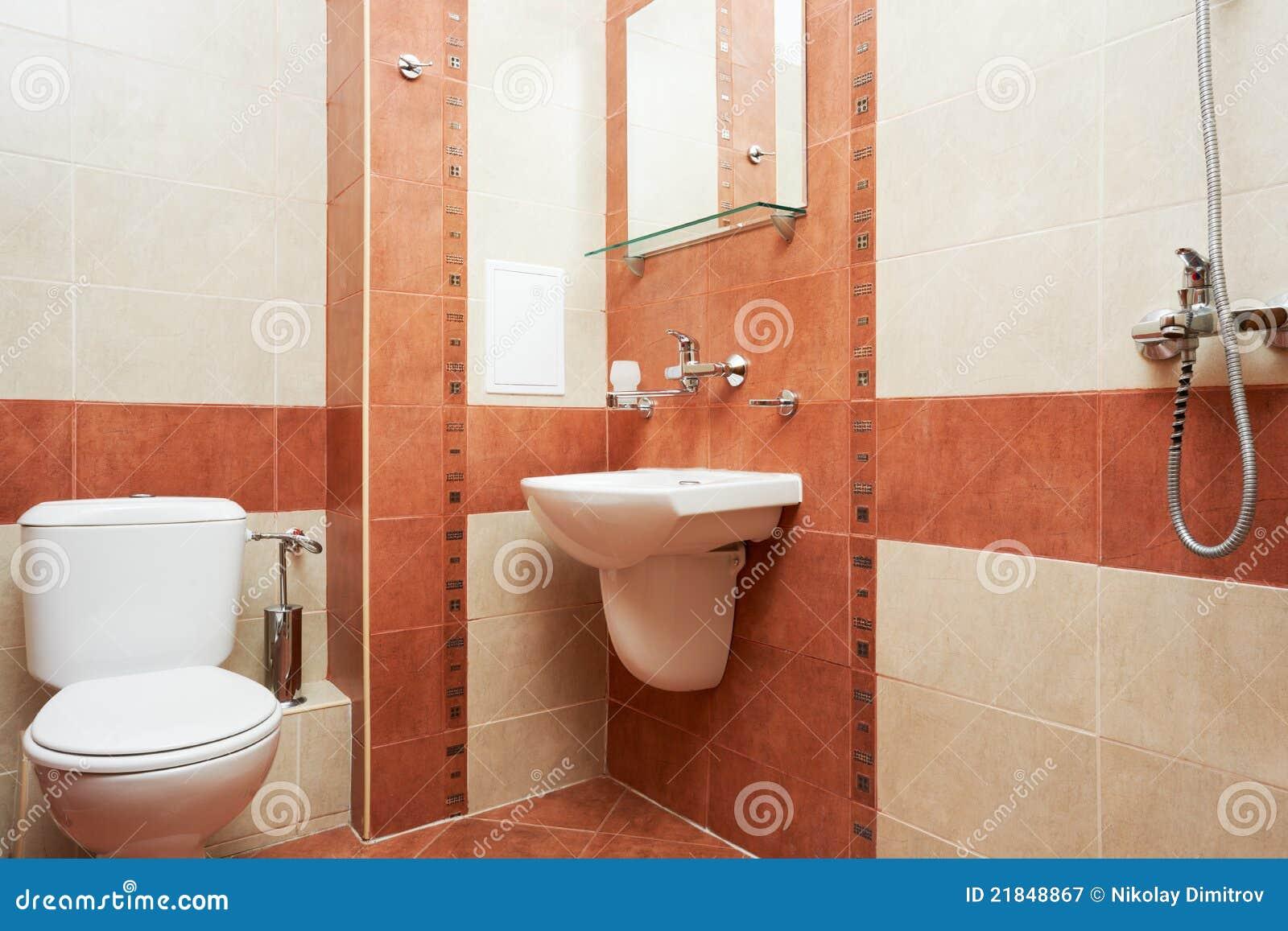Moderne badkamers in rode kleur stock afbeelding afbeelding
