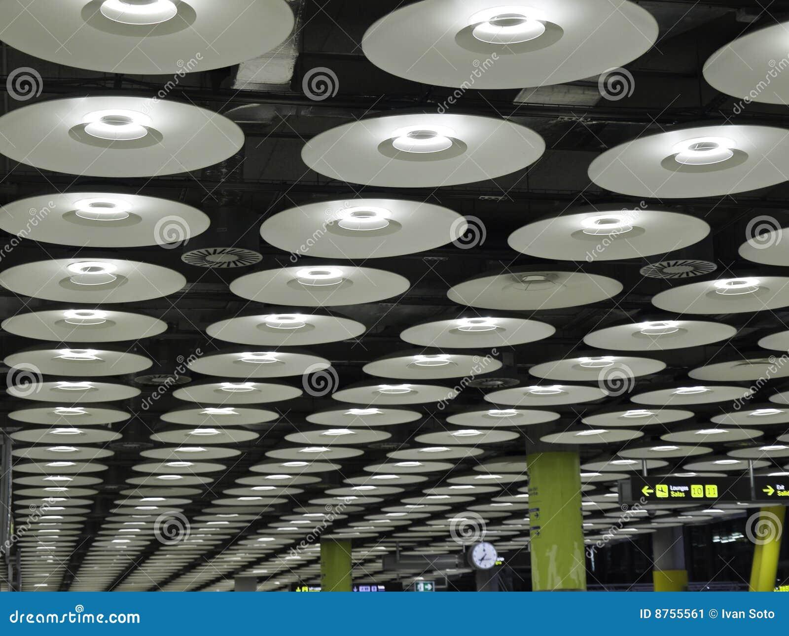 moderne beleuchtung stockbild bild von halle innen gesch ft 8755561. Black Bedroom Furniture Sets. Home Design Ideas