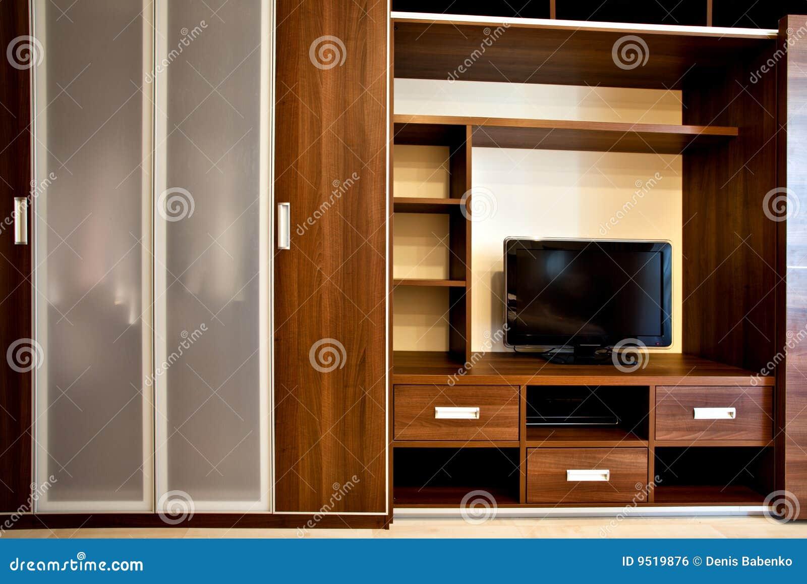 Moderne Boekenkast En Garderobe Stock Foto - Afbeelding bestaande ...