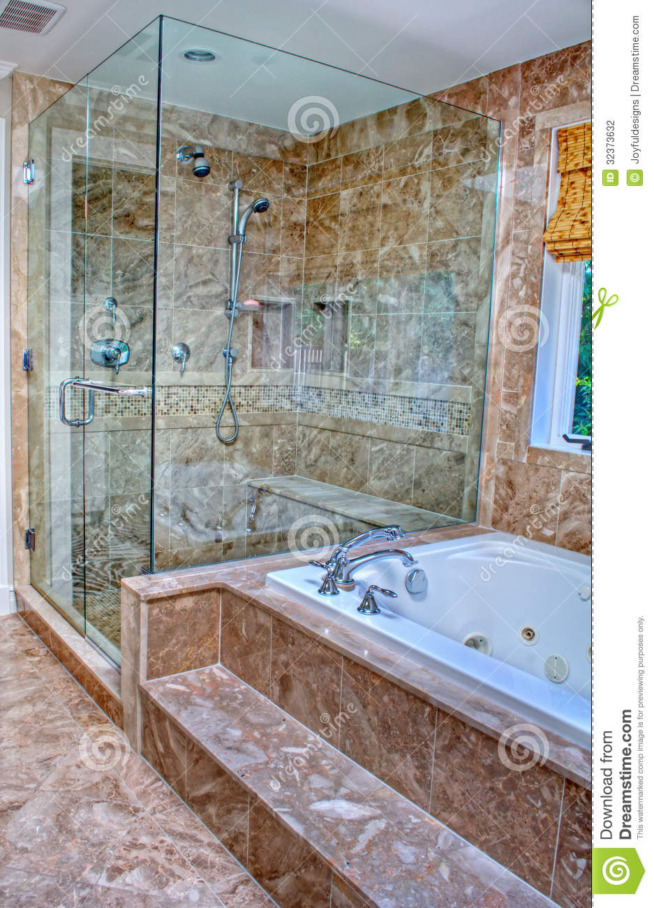 moderne dusche und badewanne im raum stockfotografie bild 32373632. Black Bedroom Furniture Sets. Home Design Ideas
