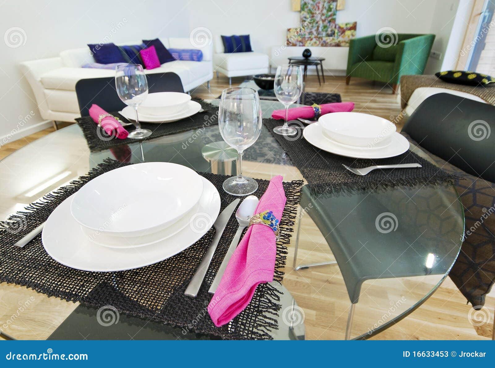 Moderne eettafel stock foto 39 s afbeelding 16633453 - Moderne eettafel ...