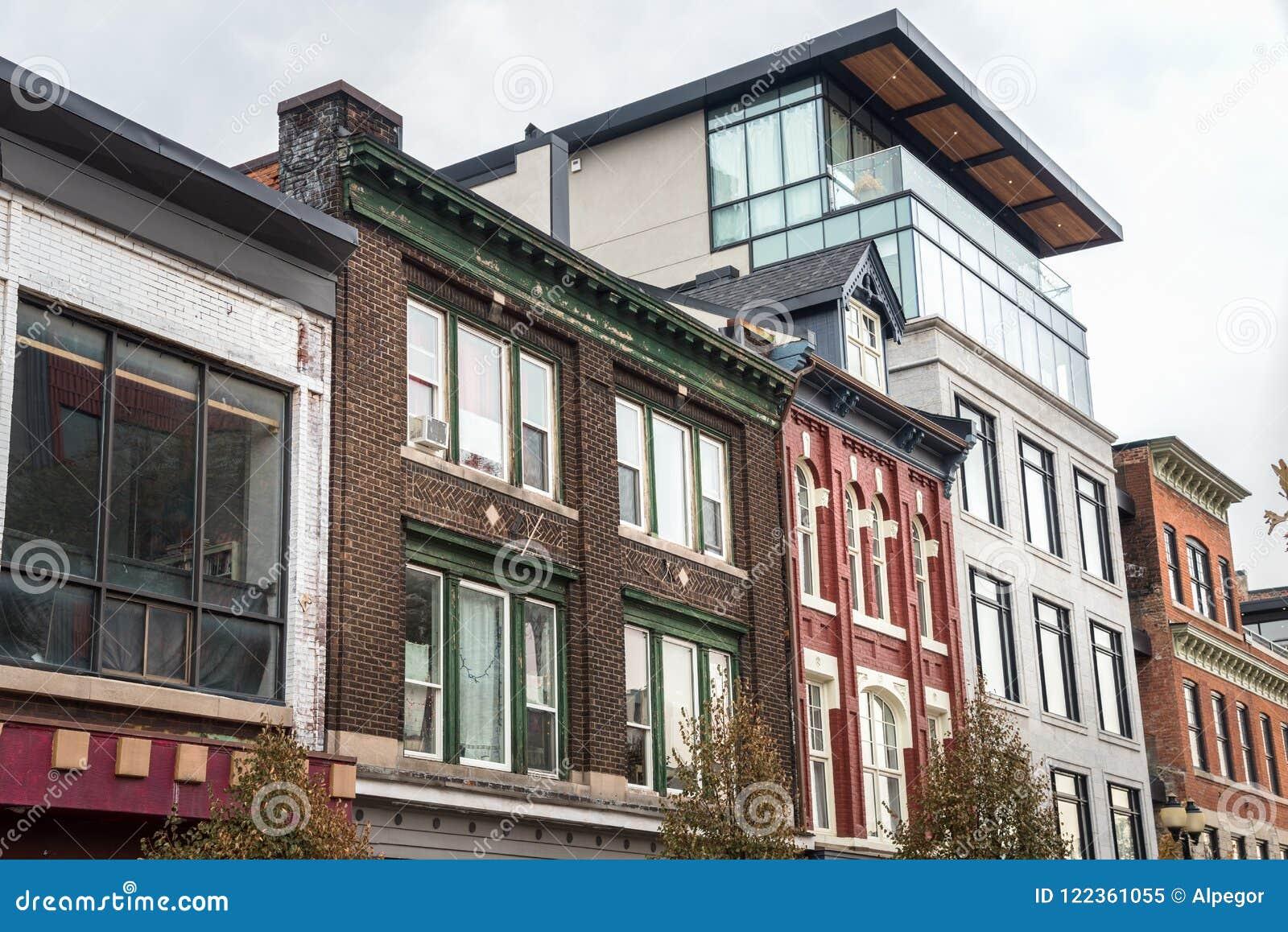 Moderne en Oude Architectuur in Hamilton, Canada