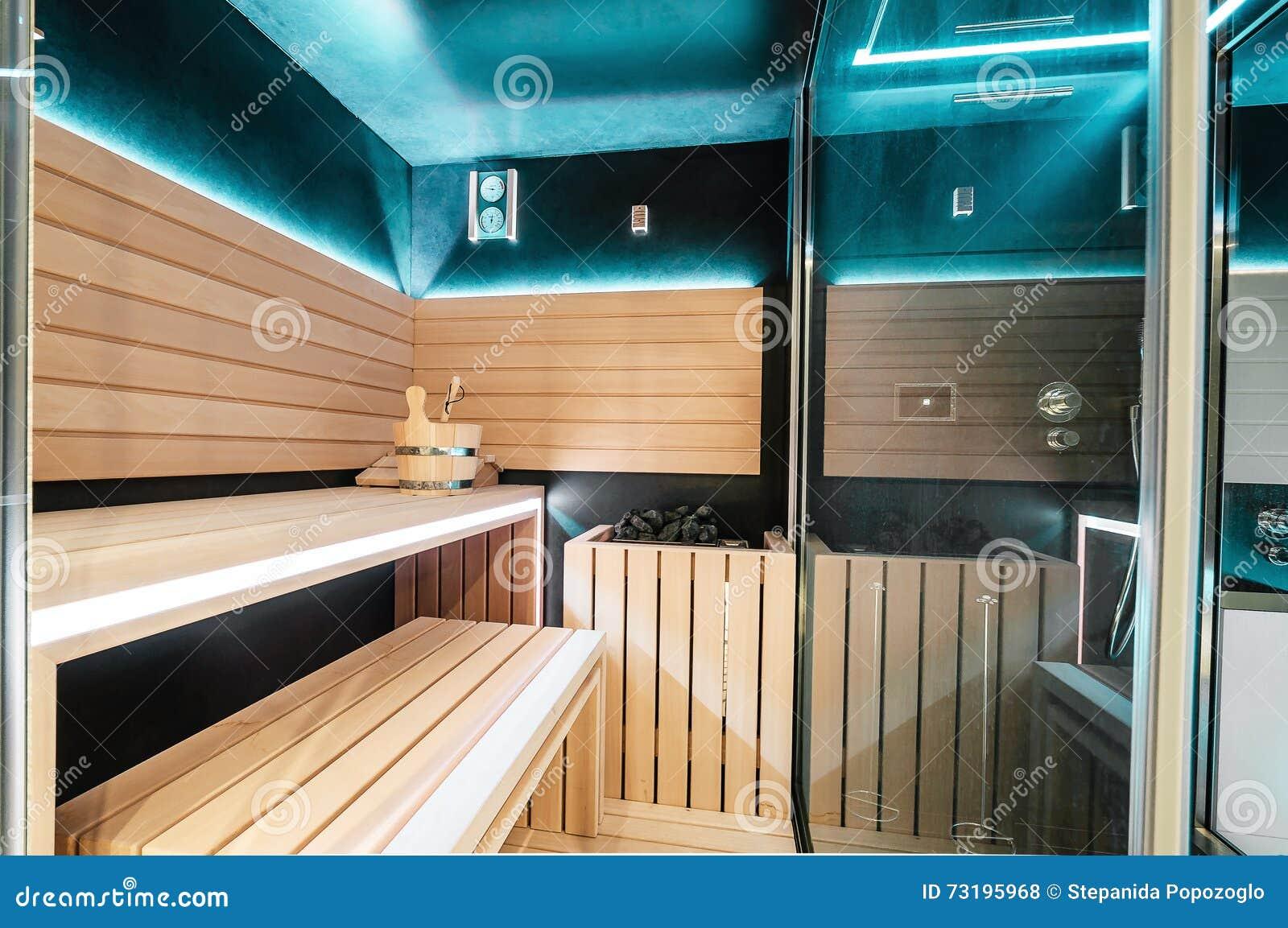 Moderne Lampen 68 : Moderne finnische sauna mit neonlichtern schönes innenhaus f