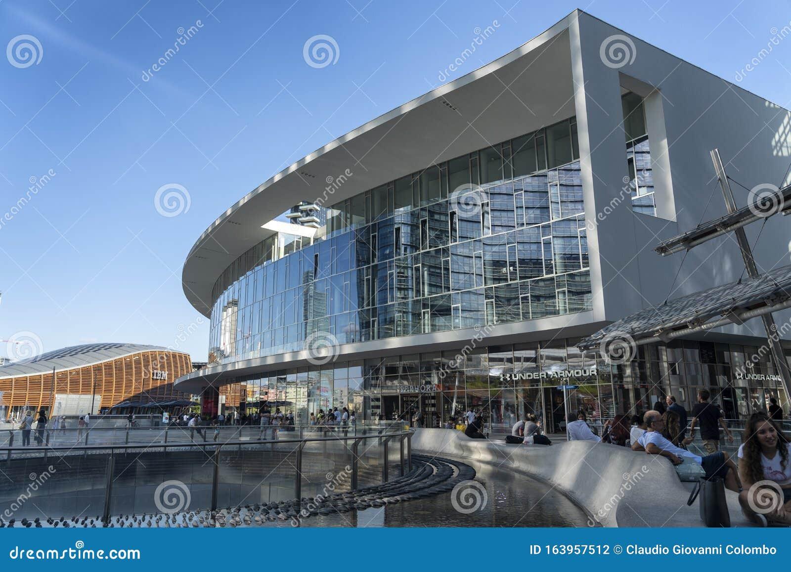 Moderne Gebäude Am Platz Gae Aulenti In Mailand Redaktionelles  Stockfotografie - Bild von horizont, grenzstein: 163957512